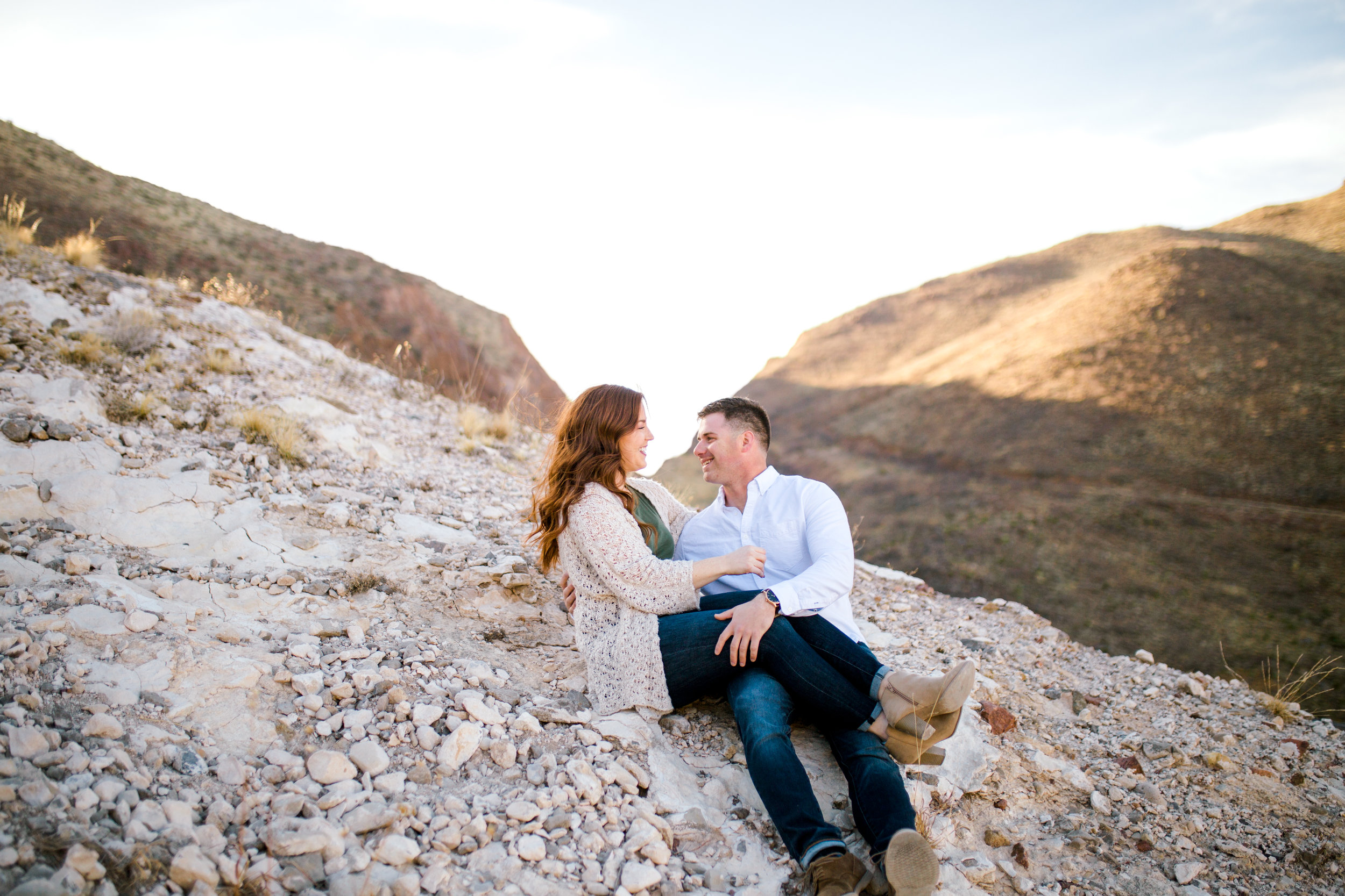 franklin-mountain-el-paso-engagement-sparrow-and-gold-photography-2