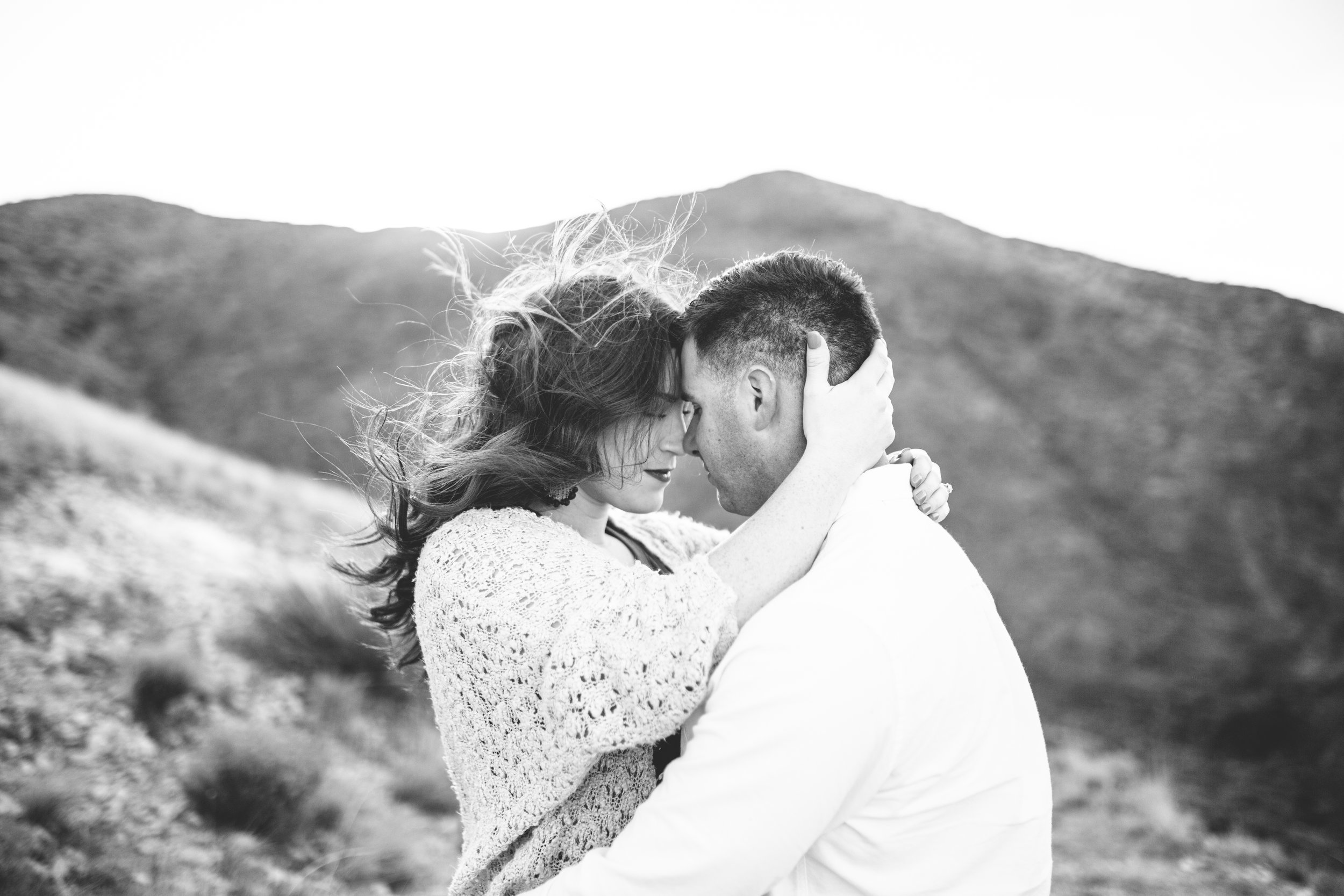 franklin-mountain-el-paso-engagement-sparrow-and-gold-photography-4
