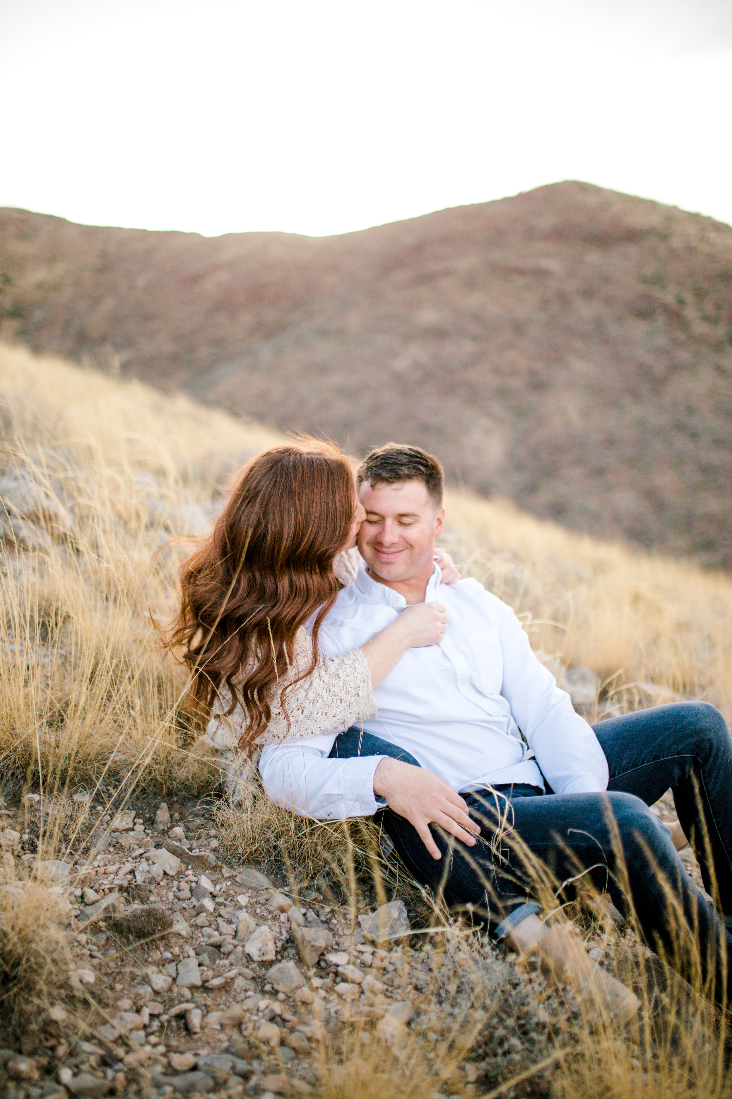 franklin-mountain-el-paso-engagement-sparrow-and-gold-photography-8