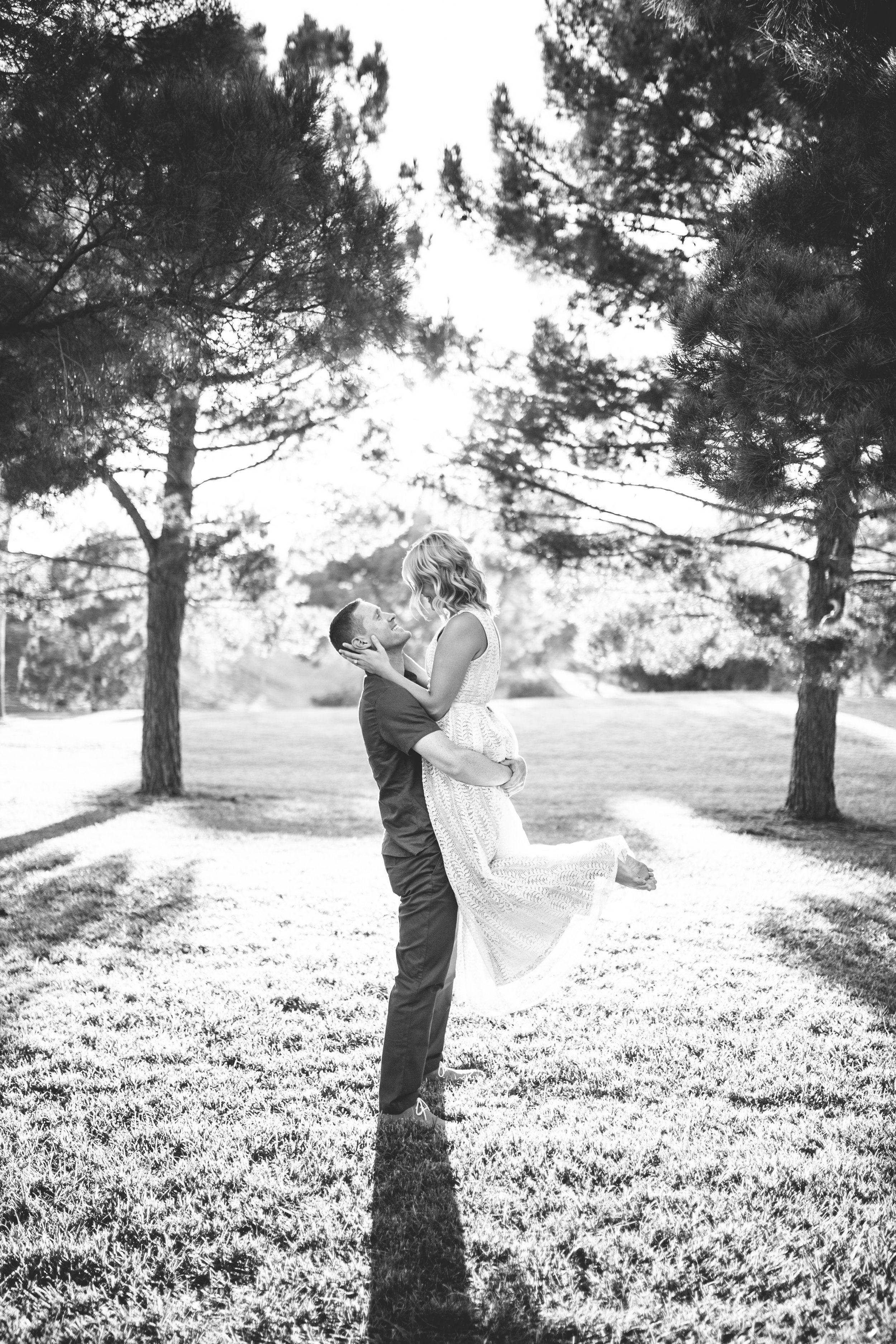 el-paso-memorial-park-engagement-sparrow-and-gold-photography-15