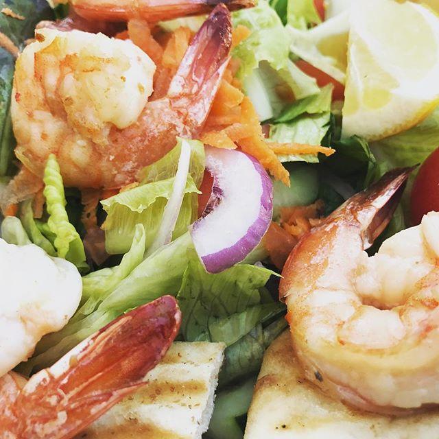 #tequilalime #shrimp #tequilalimeshrimp #shrimpsalad #deliciousfood #irishfest #irishfoodie @theweekendchowdown @ny_irish_dance @theheritagebar 🍤🥗🍀