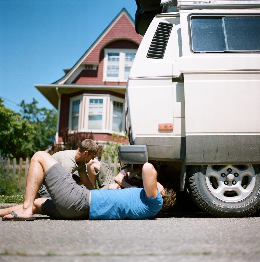 Michael and Matt suss out an oil leak that's been coming from the '86 Volkswagen Vanagon