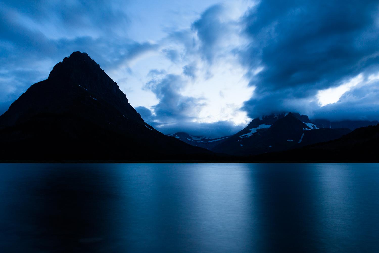 glacier-national-park-lake-travel-adventure-explore