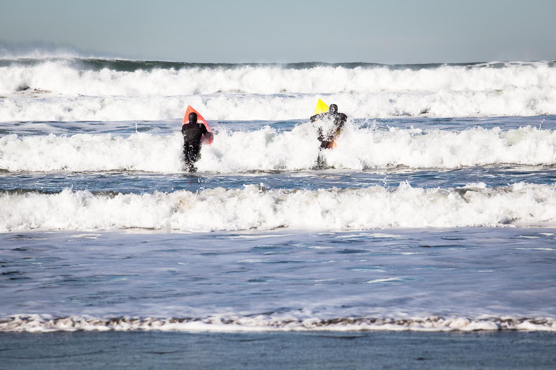 Surfing-surfers-ocean-beach-travel-adventure