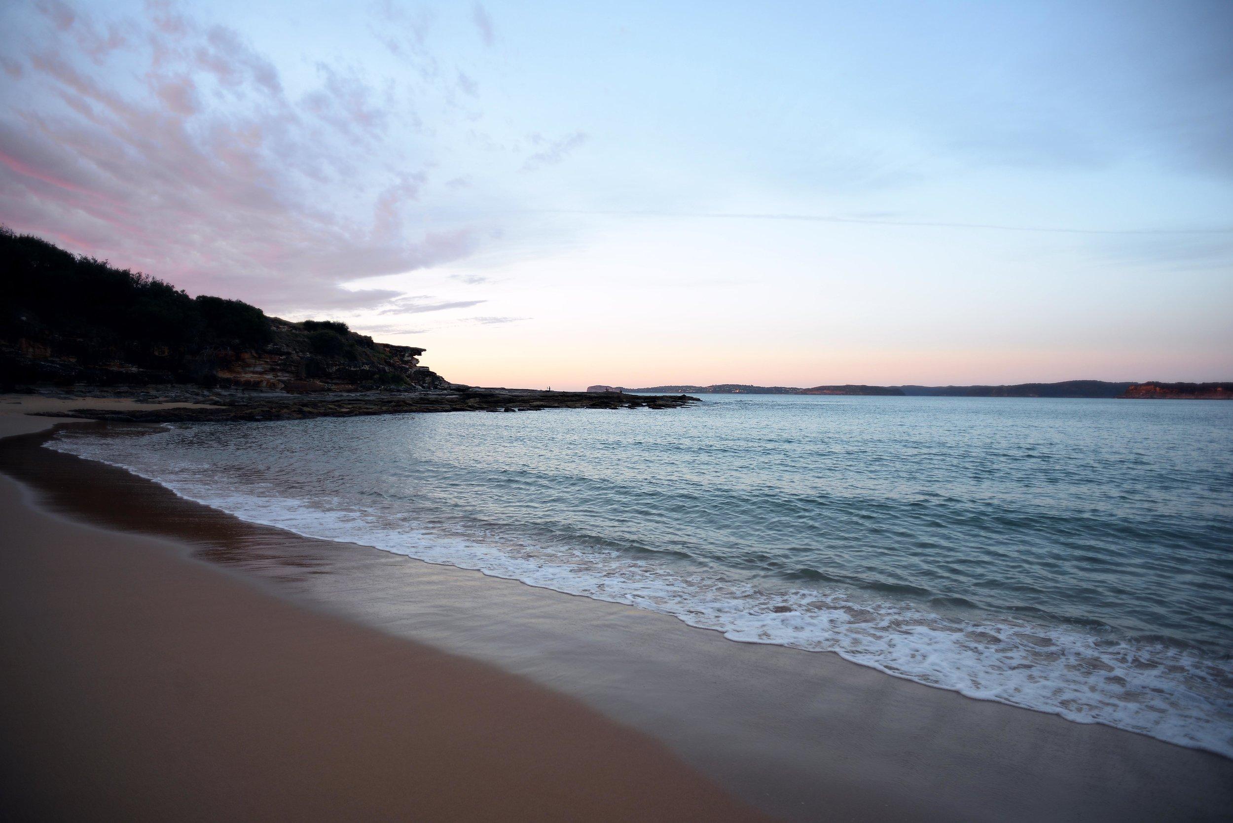 putty beach bouddi national park sunrise