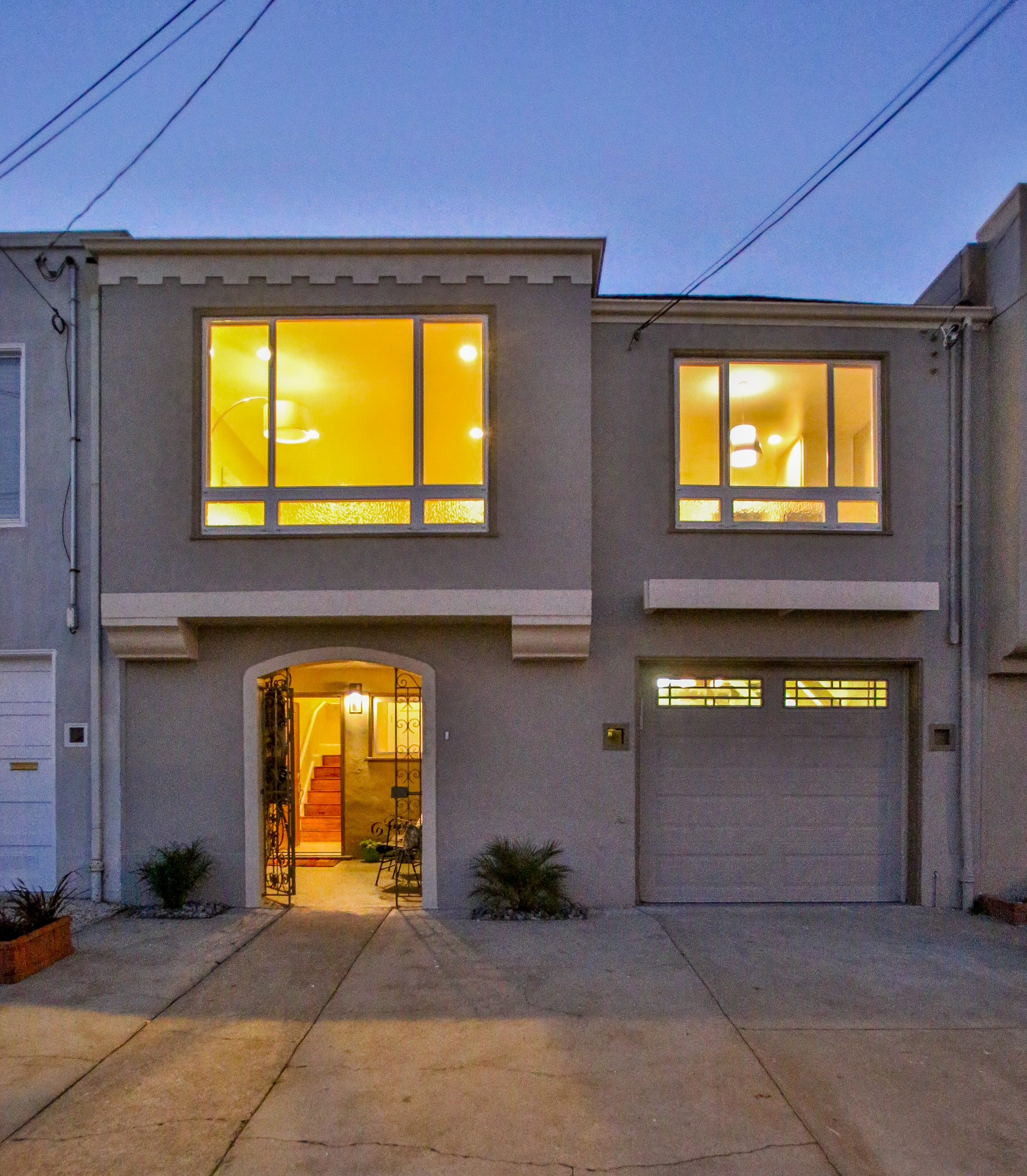 Sunset house sold by top real estate agent in San Francisco