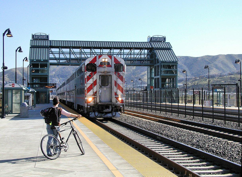 Caltrain_Bayshore-Sta+Train-59.jpg