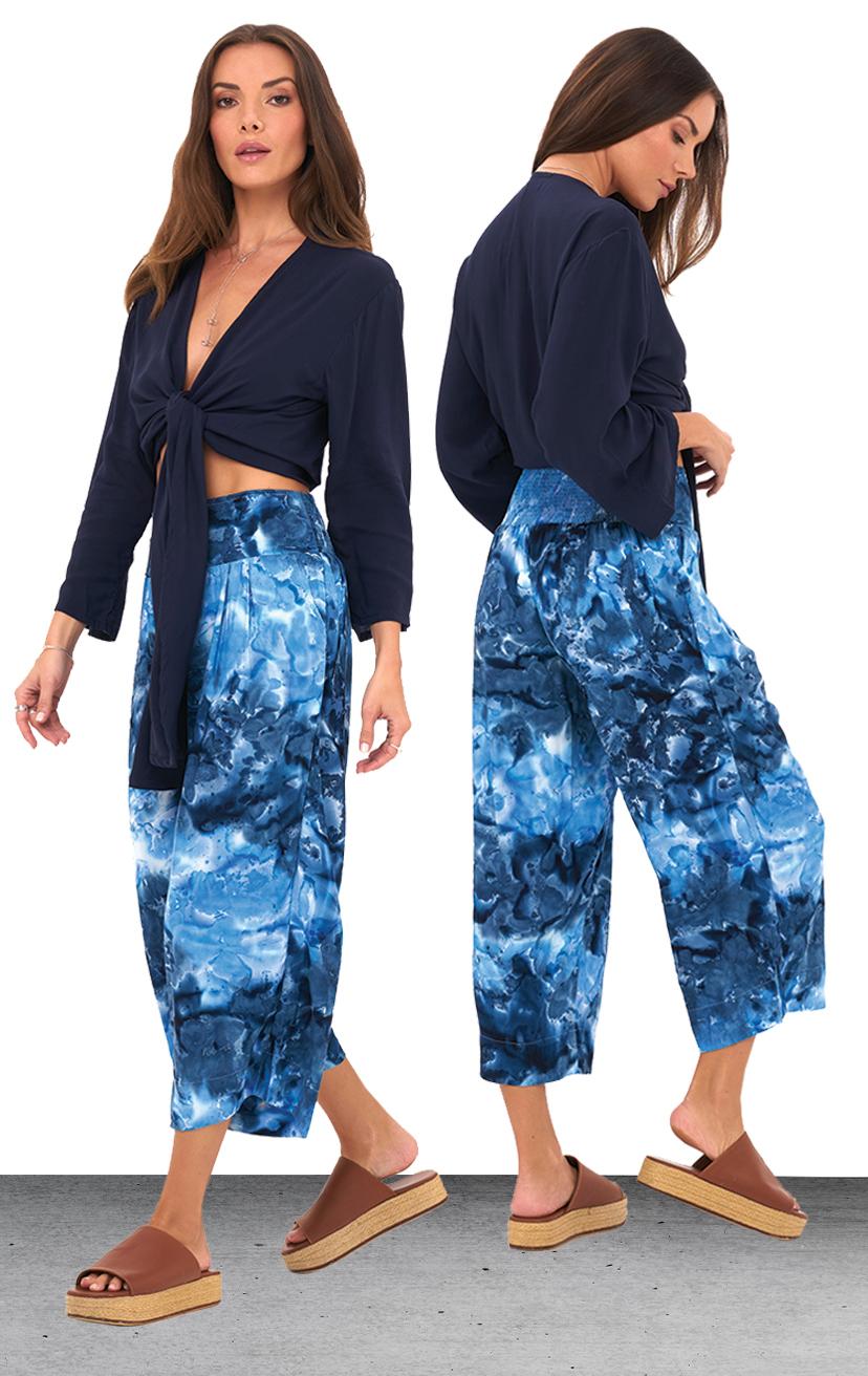 TOP SANTORINI   3/4 slv deep v-neck, front long tied crop blouse  100% RAYON | XS-S-M-L  –   PANT NOA   Wide waistband capri pant, back elastic, front button detail, side pockets  100% RAYON & LINE | XS-S-M-L