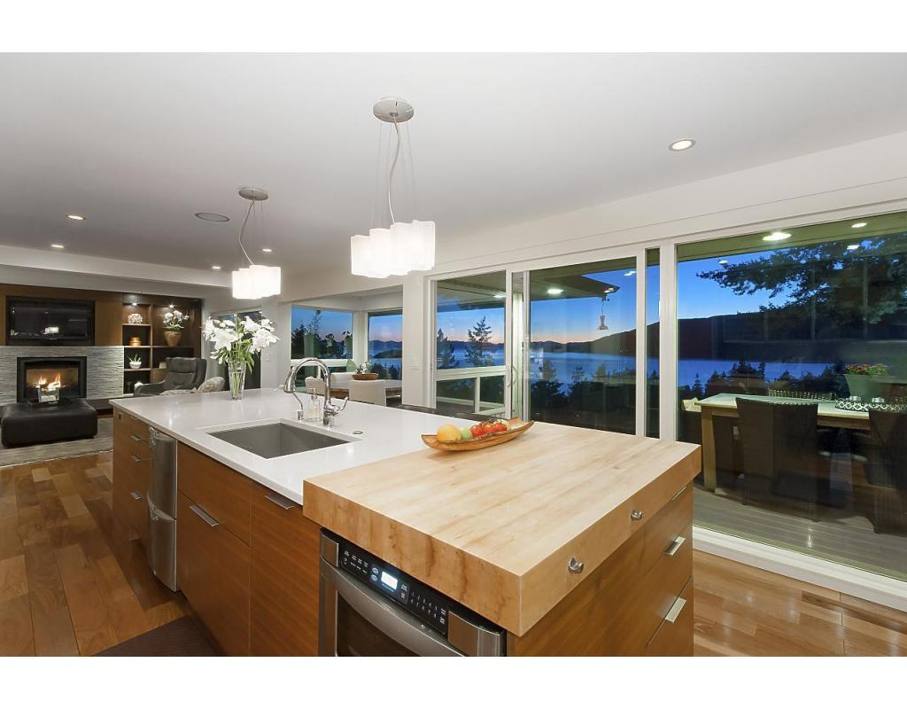 West Vancouver Electrician Kitchen.jpg