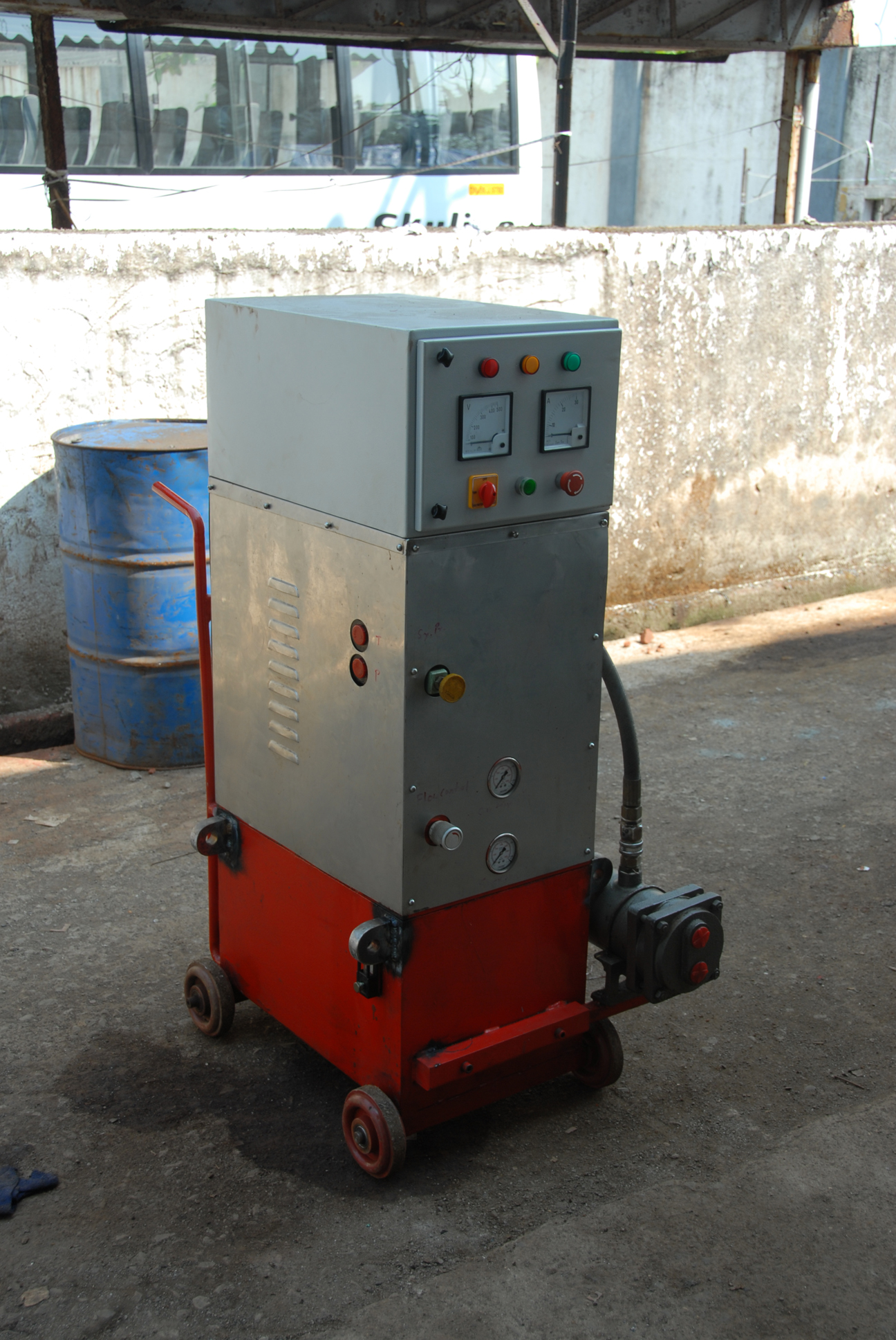 Portable power unit with stainless steel panelling for Hilti concrete cutter