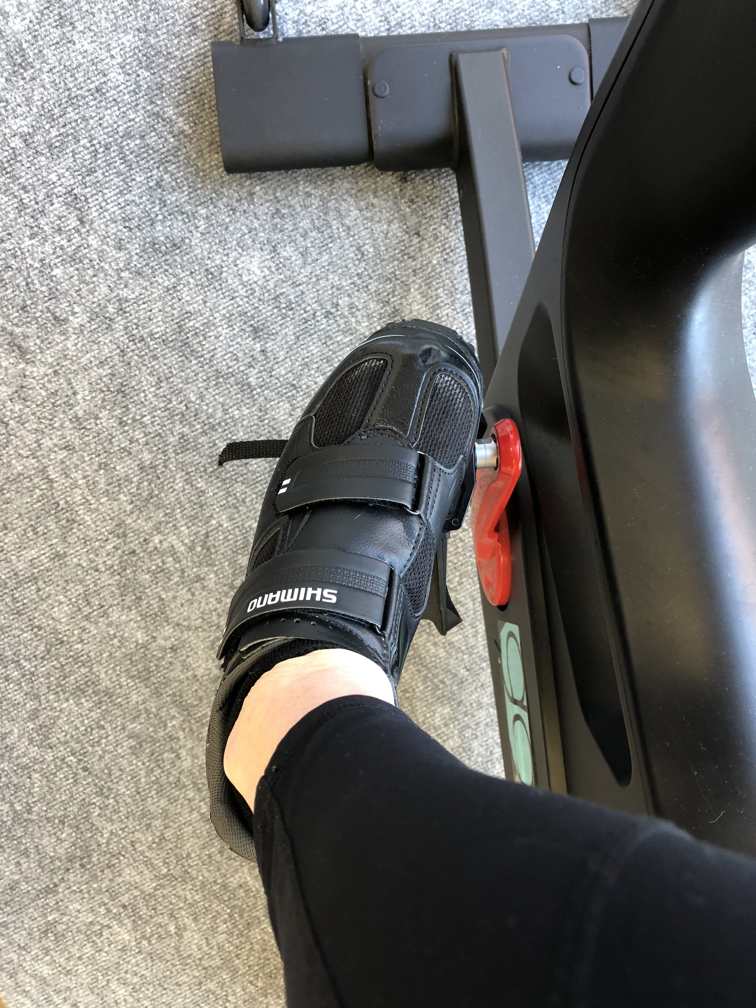 Unclipping cycling shoes