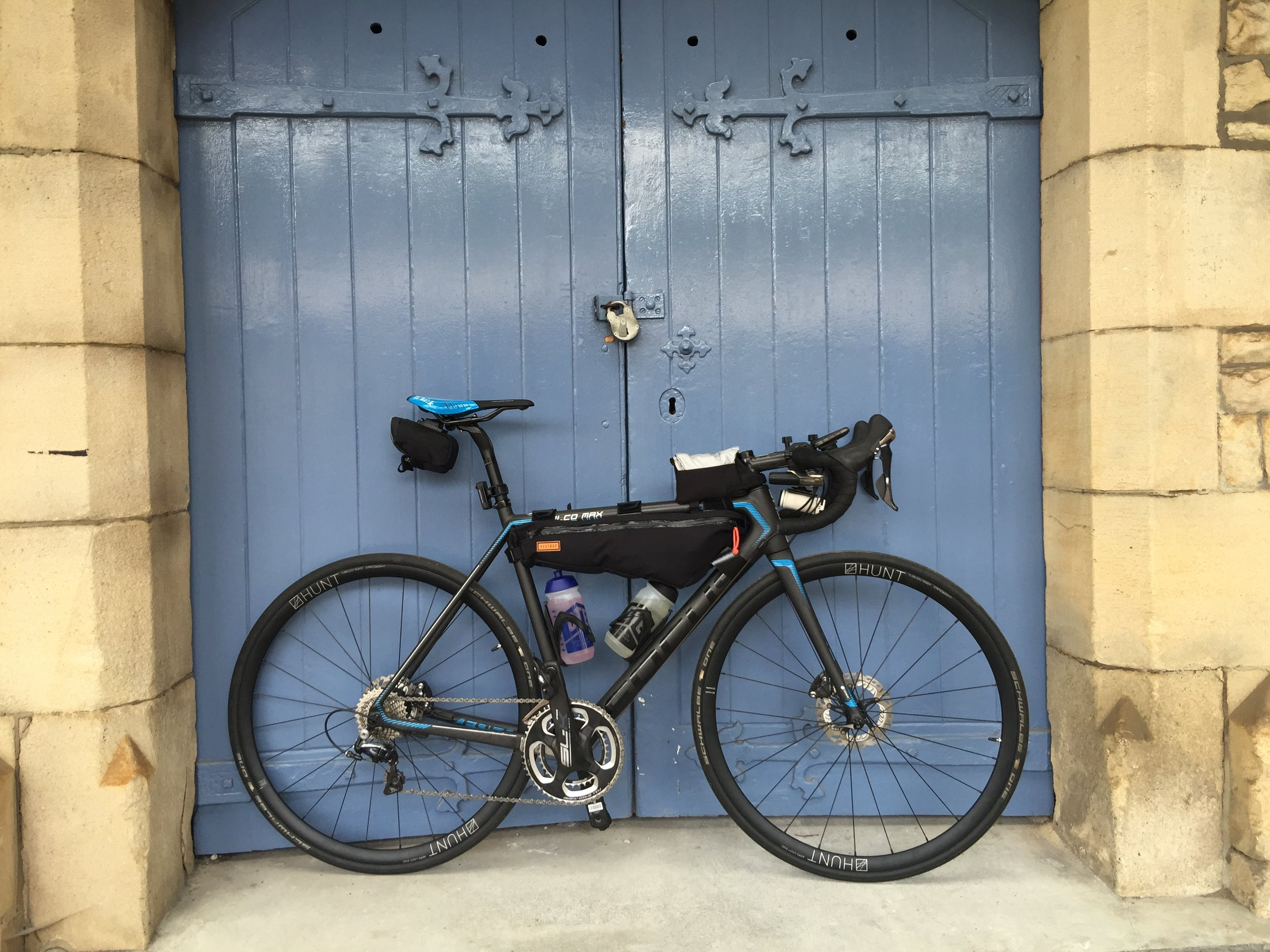 The chosen steed for the trip was the Focus Izalco Max Disc, equipped with a set of Hunt Aero Light Disc Wheels. Restrap have provided the frame bag and Tom Tom the Bandit Camera. The bike is equipped with 11 speed Shimano Dura Ace with an FSA SLK Lightweight Crank and Fizik Antares saddle.