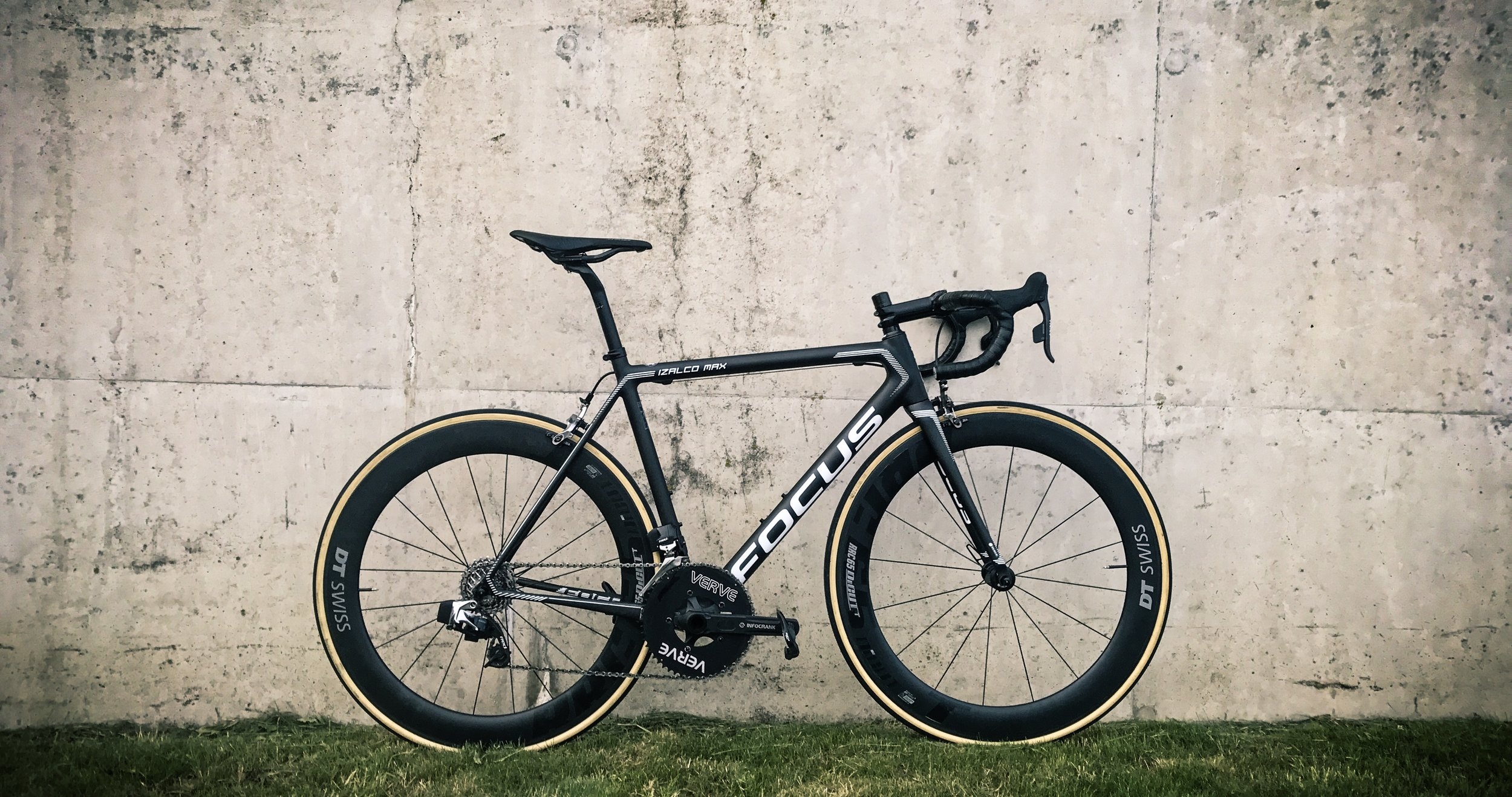 The FOCUS Izalco Max Etap fitted with a Verve Infocrank powermeter and some deep section DT Swiss tubs for the 9 man team time trial