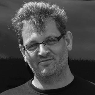 Ulrich Fischer  (M.A. Intercultural Studies, Columbia International University) Freiberuflicher Erlebnispädagoge, Kommunikationstrainer und Mediator; Mitarbeiter im Krisennothilfeteam (DART) der Hilfsorganisation GAiN (Global Aid Network)