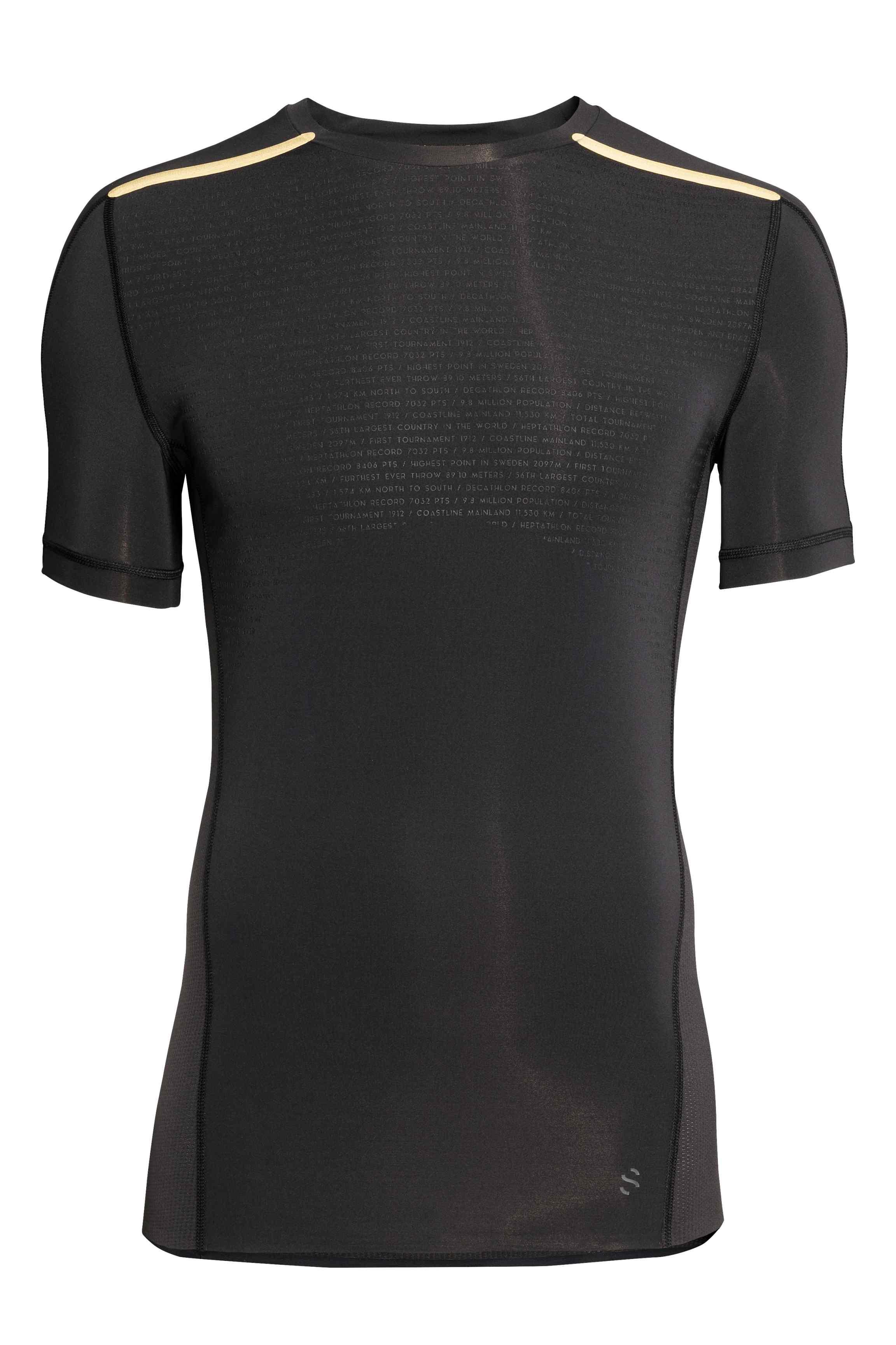 Short-sleeved running top, £14.99 ( hm.com )