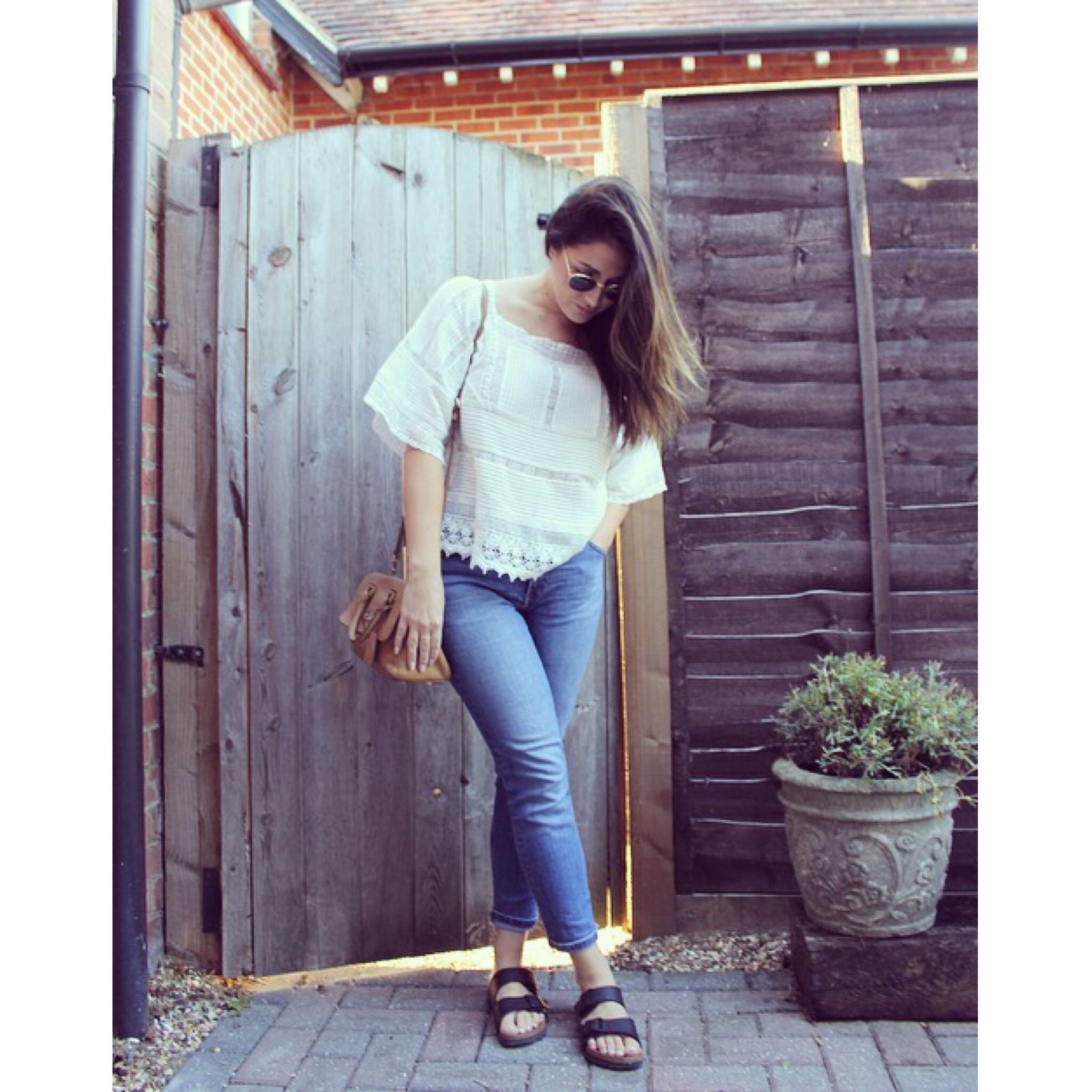 Top - Zara  Jeans - H&M  Shoes - Birkenstock  Bag - Mulberry  Sunglasses - Rayban