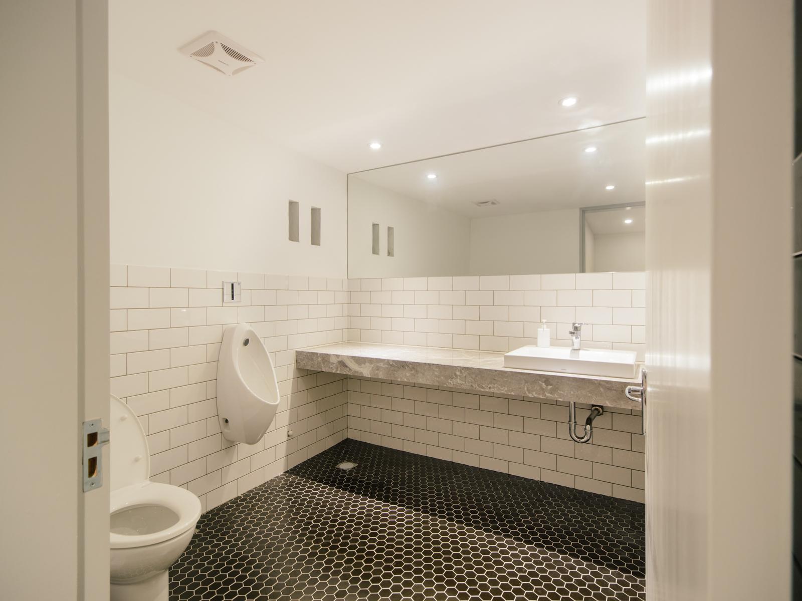 4F 洗手間