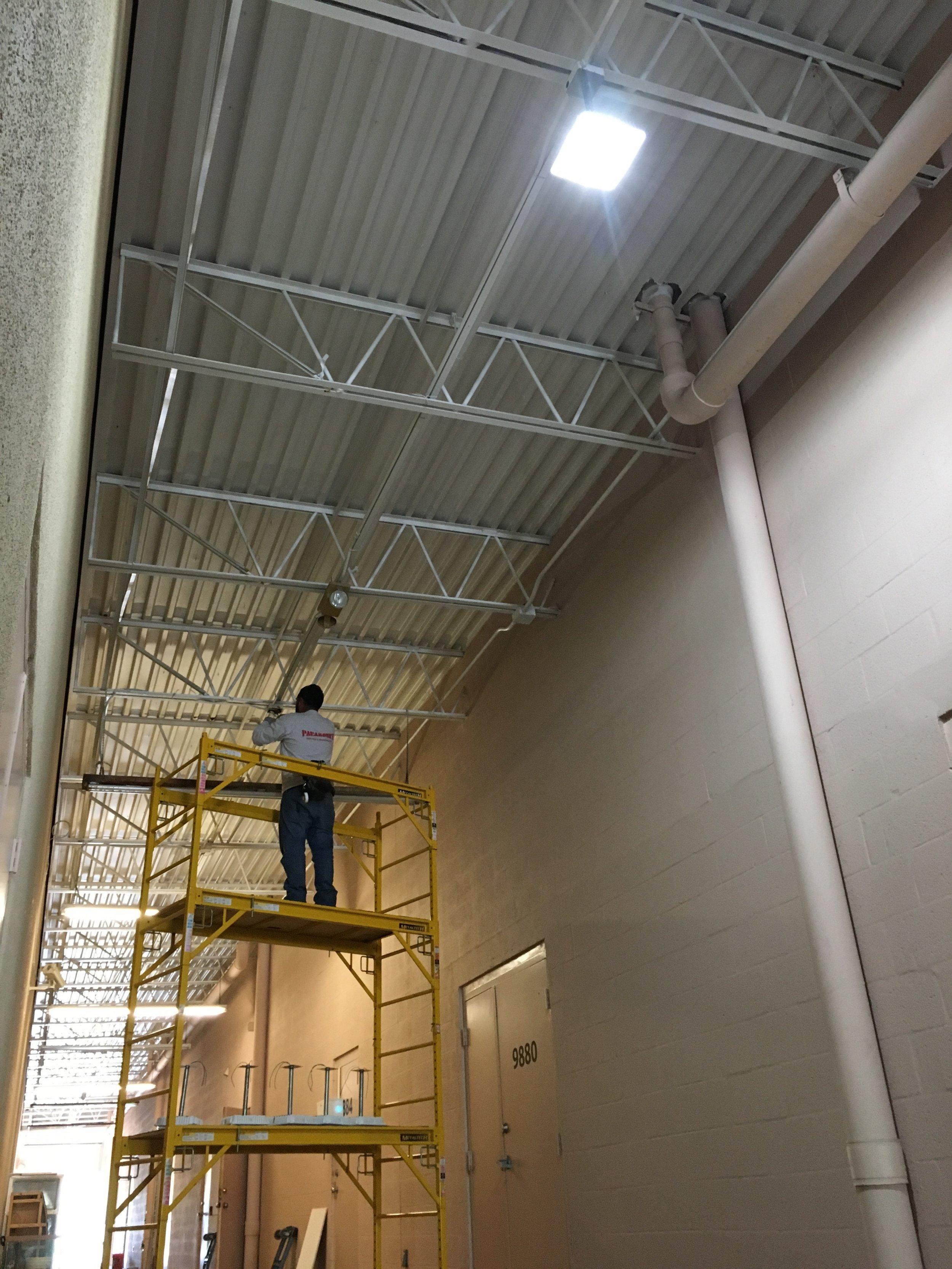 Lighting service - employee1.JPG