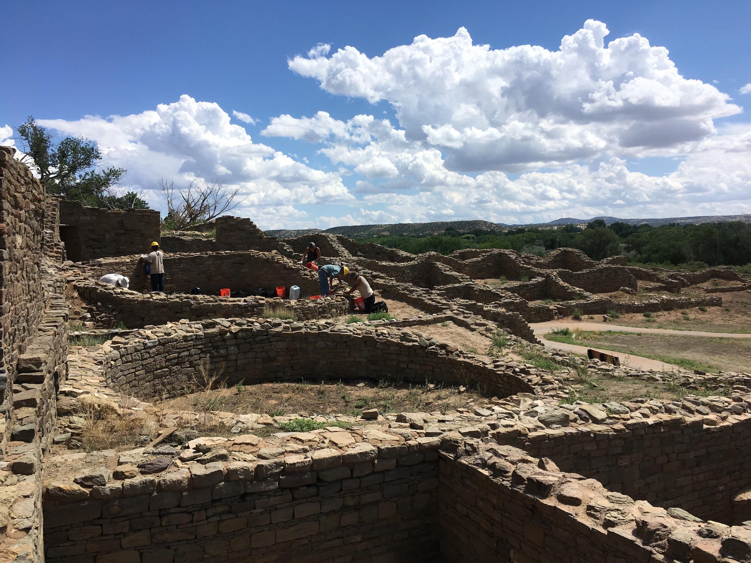 Ácoma Pueblo restorers at Aztec Ruins