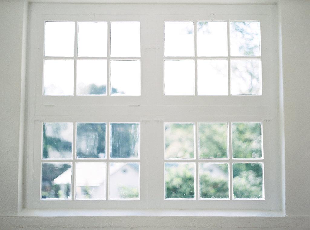 Barn-at-Reynolda-Village-Winston-Salem-Venue-History-Windows-Photo.jpg