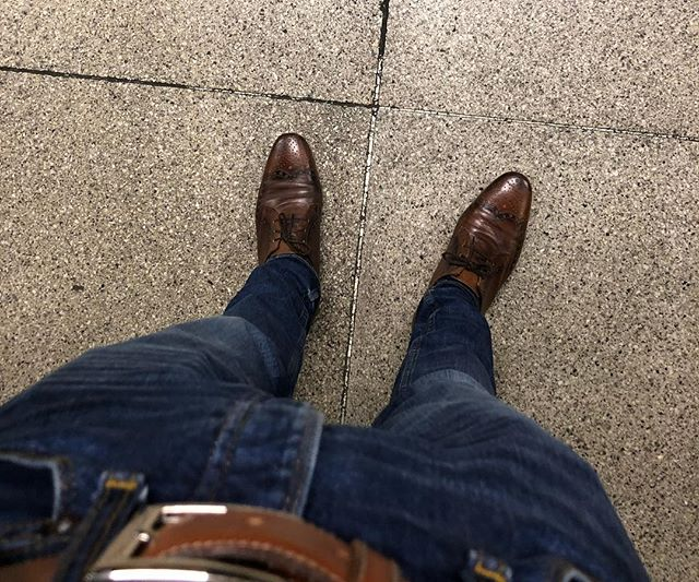 No work shoes for 10 days. Holiday is here. . . #norestforthewicked #businessownerproblems #macbookiscomingtoo