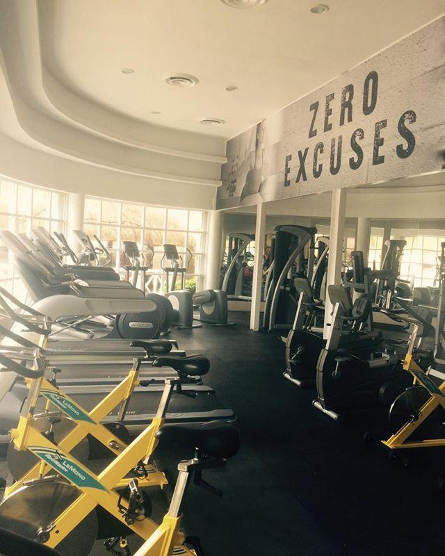 "So much for ""zero excuses"" #gym #soberinmexico"