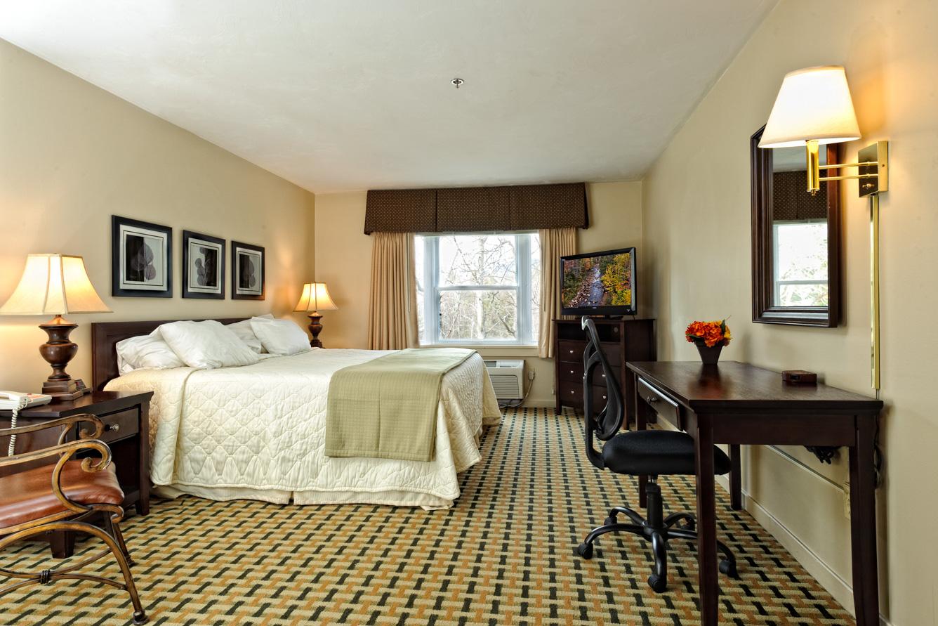 Silver Fox Inn King Room