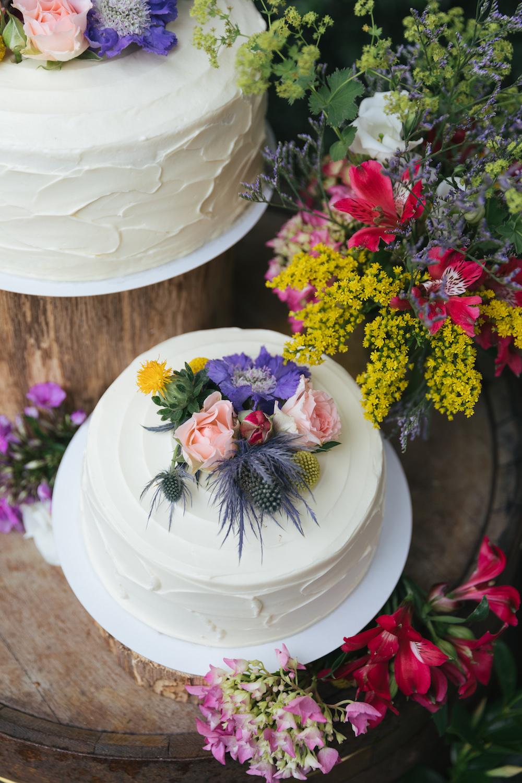 bruiloft taart bloemen