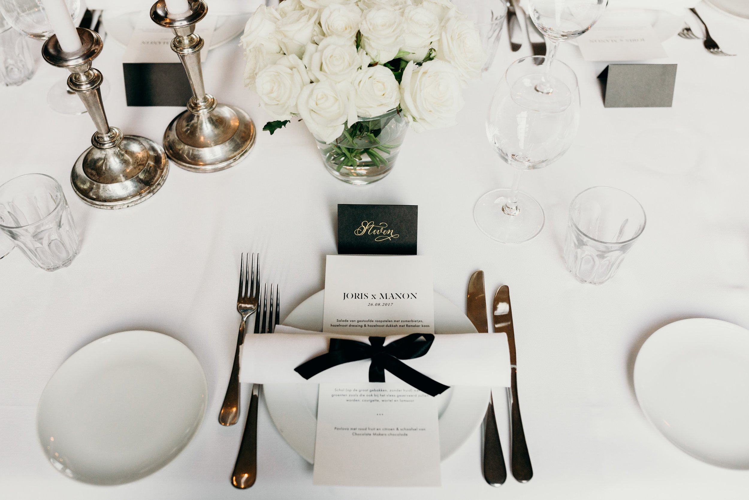 `Wedding dinner table styling Bruiloft styling