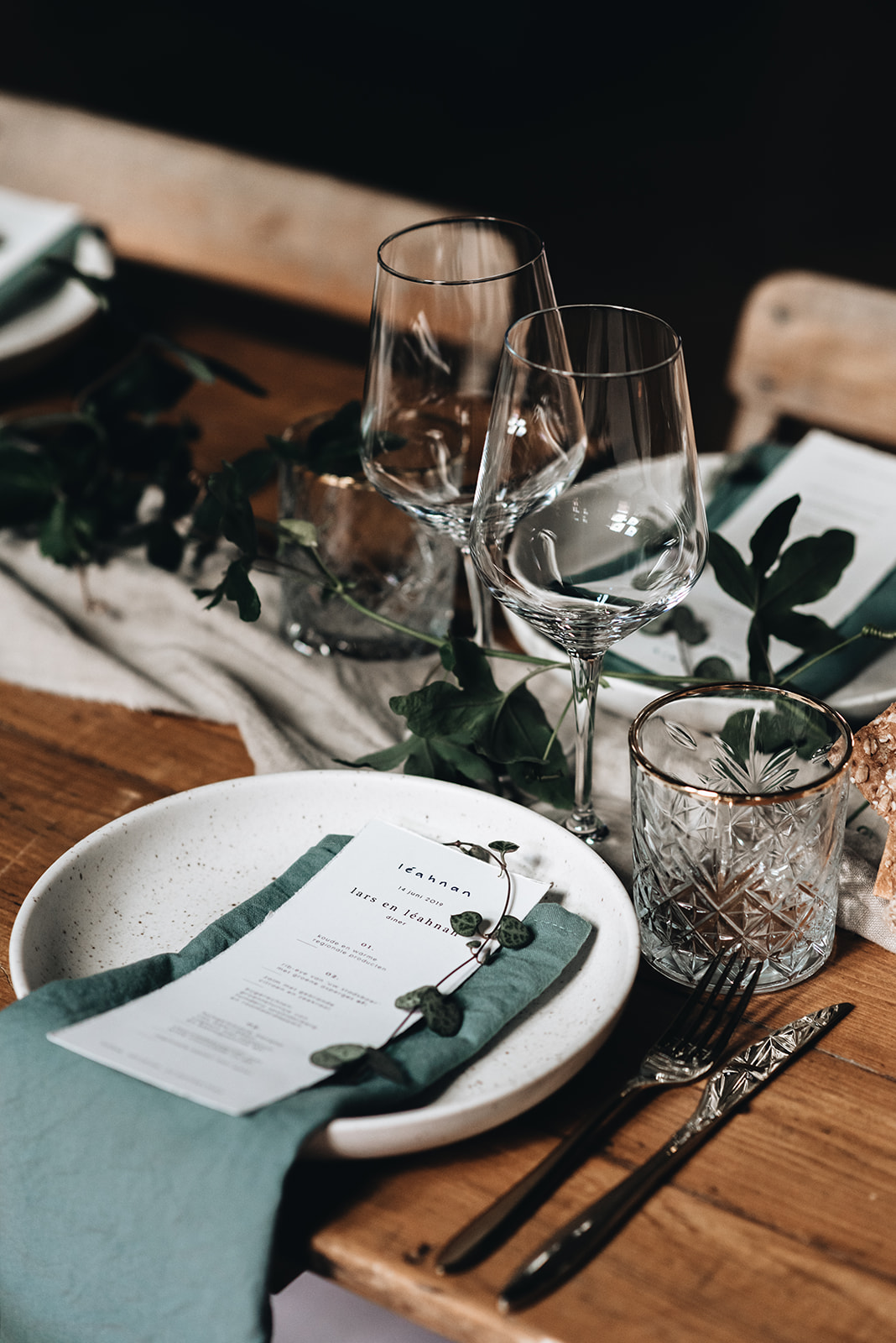 Green wedding table styling3.jpg
