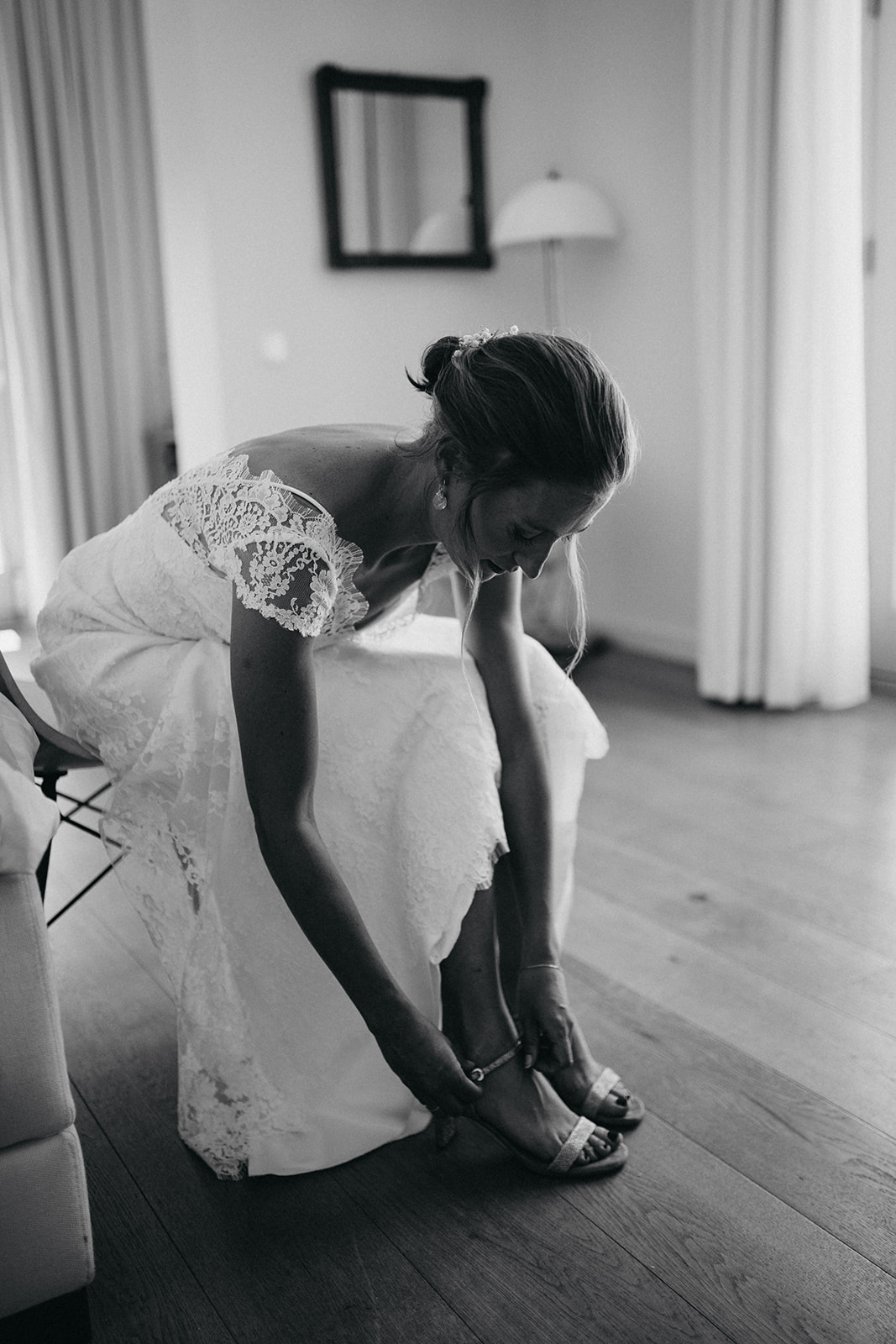 Bride getting ready7.jpg