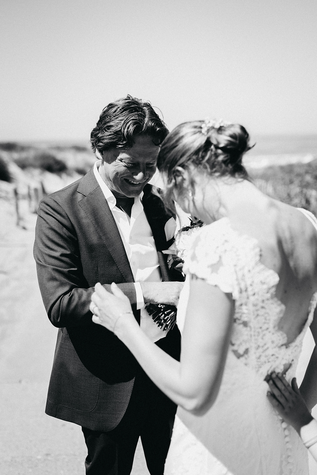 Bride and groom beach Noordwijk1.jpg