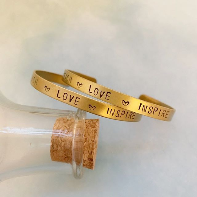 I love getting to create custom pieces & this was no exception! These cute little teacher gifts for the end of pre-k were so fun to make and the sweetest inscription in his handwriting makes these bangles the perfect keepsake. Swipe to see the inside!⠀ ⠀ Got an idea you want to try or just looking for something different? Send us a message!⠀ ⠀ ⠀ •⠀ •⠀ •⠀ •⠀ •⠀ #boutiqueshopping #neonlovestory #outfitideas #jewelryaddict #springarrivals #boutiqueclothing #charlottesgotalot #getinmycloset #shopboutiques #boutiquelife #whatimwearing #customjewelry #goldbangles #stacksonstacks #teachergifts #giftgiving #personalized #personalizedjewelry #womenownedbusiness  #girlboss  #lookforless  #ladyboss #weekendwear  #blogger #smallbusiness #livecolorfully #smallbusinesslove #dogood #stophumantrafficking #helpothers