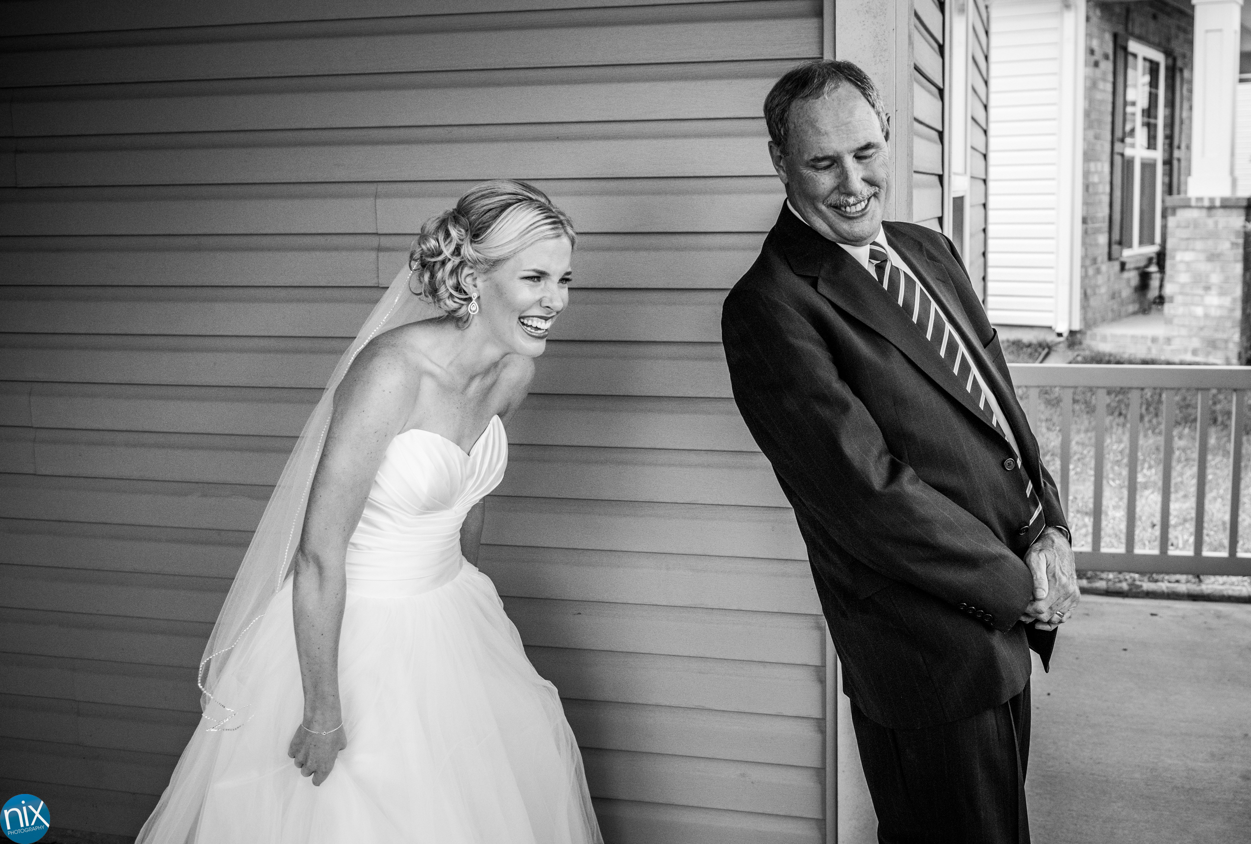 father daughter first look wedding.jpg