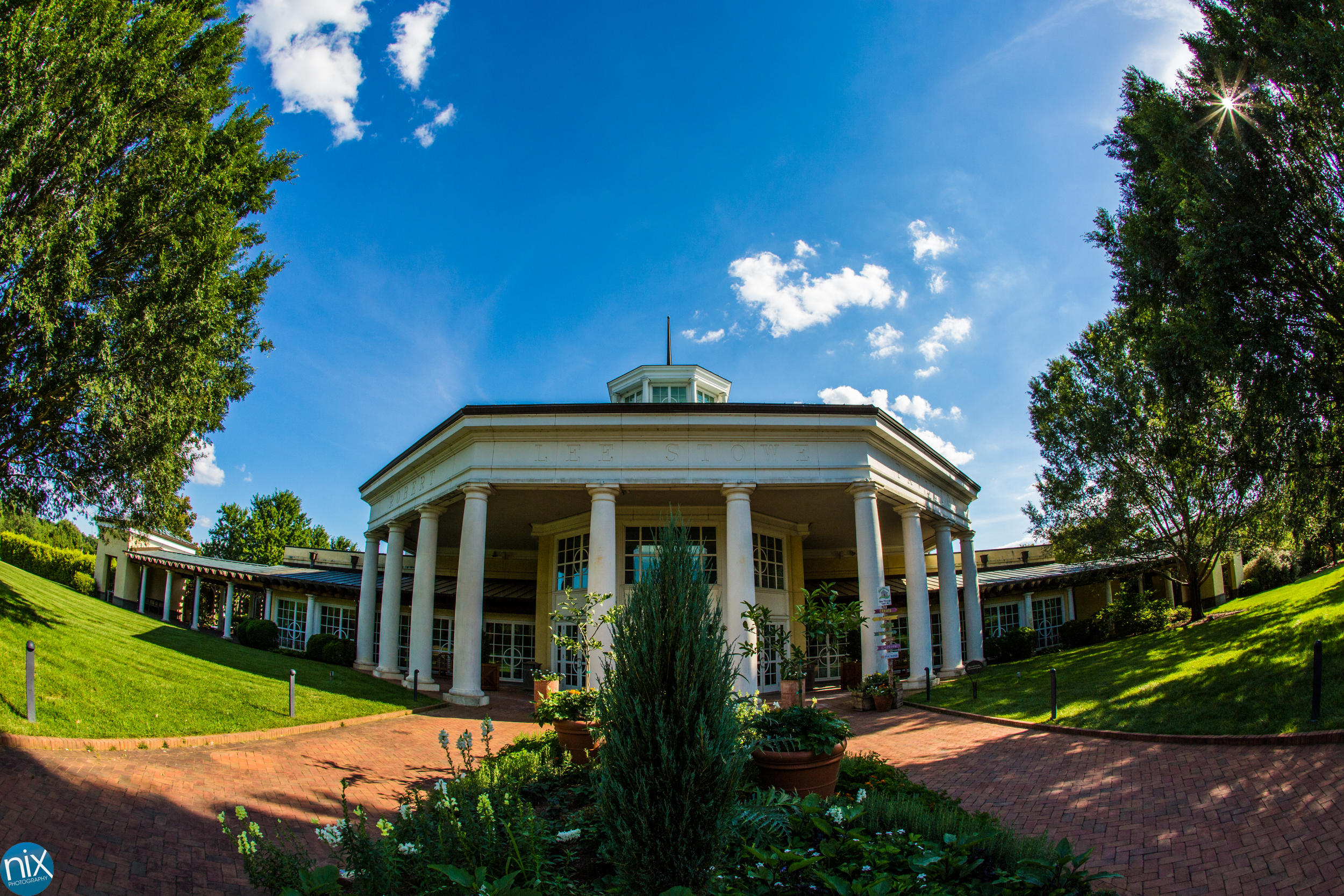 The best in Charlotte - Daniel Stowe Botanical Gardens is, in my opinion, one of the best spots for a wedding in the Charlotte region. The venue is packed with natural beauty from end to end and gives the wedding party and their guests plenty to enjoy through out the wedding day.