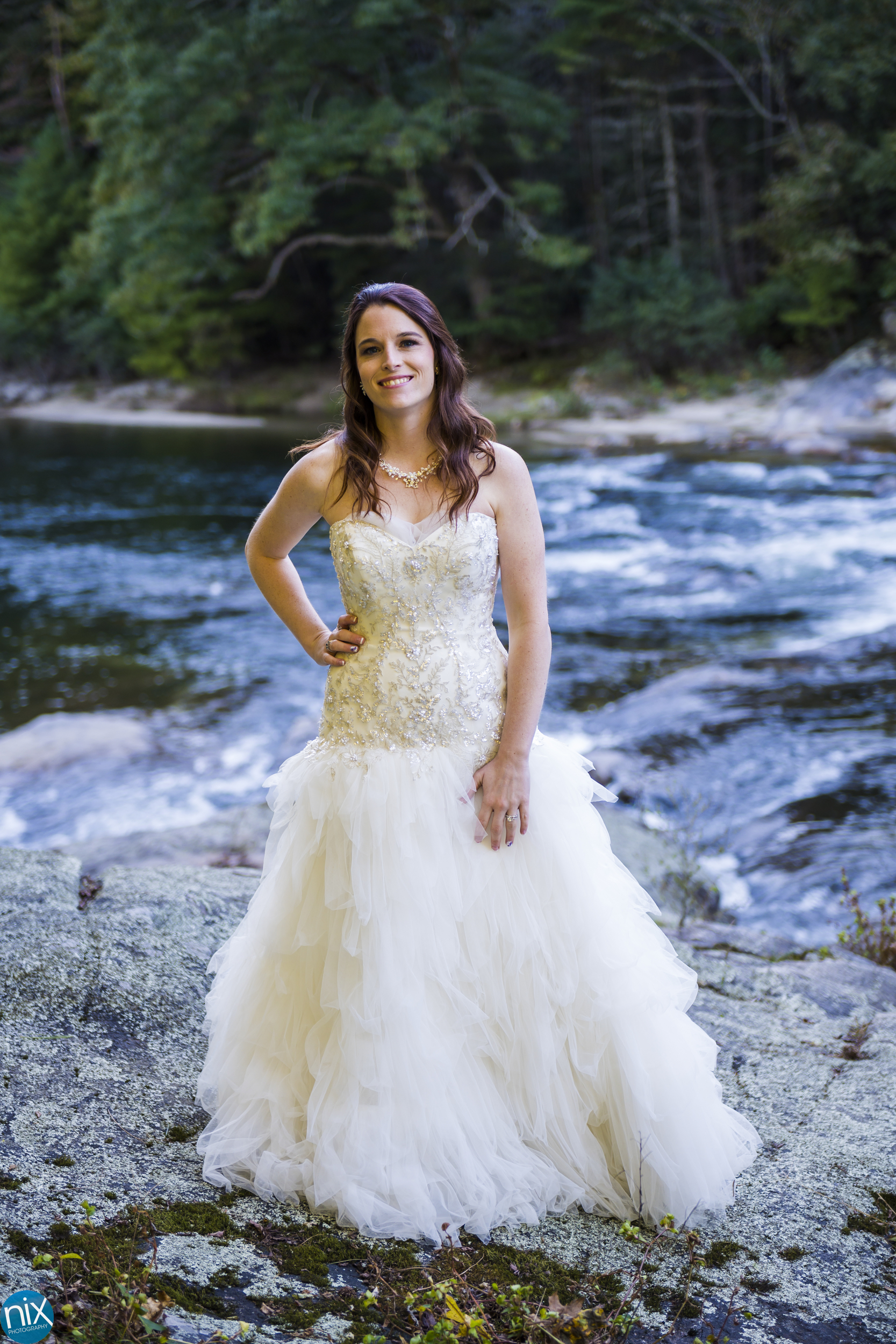 bride at Brown Mountain Beach Resort.jpg