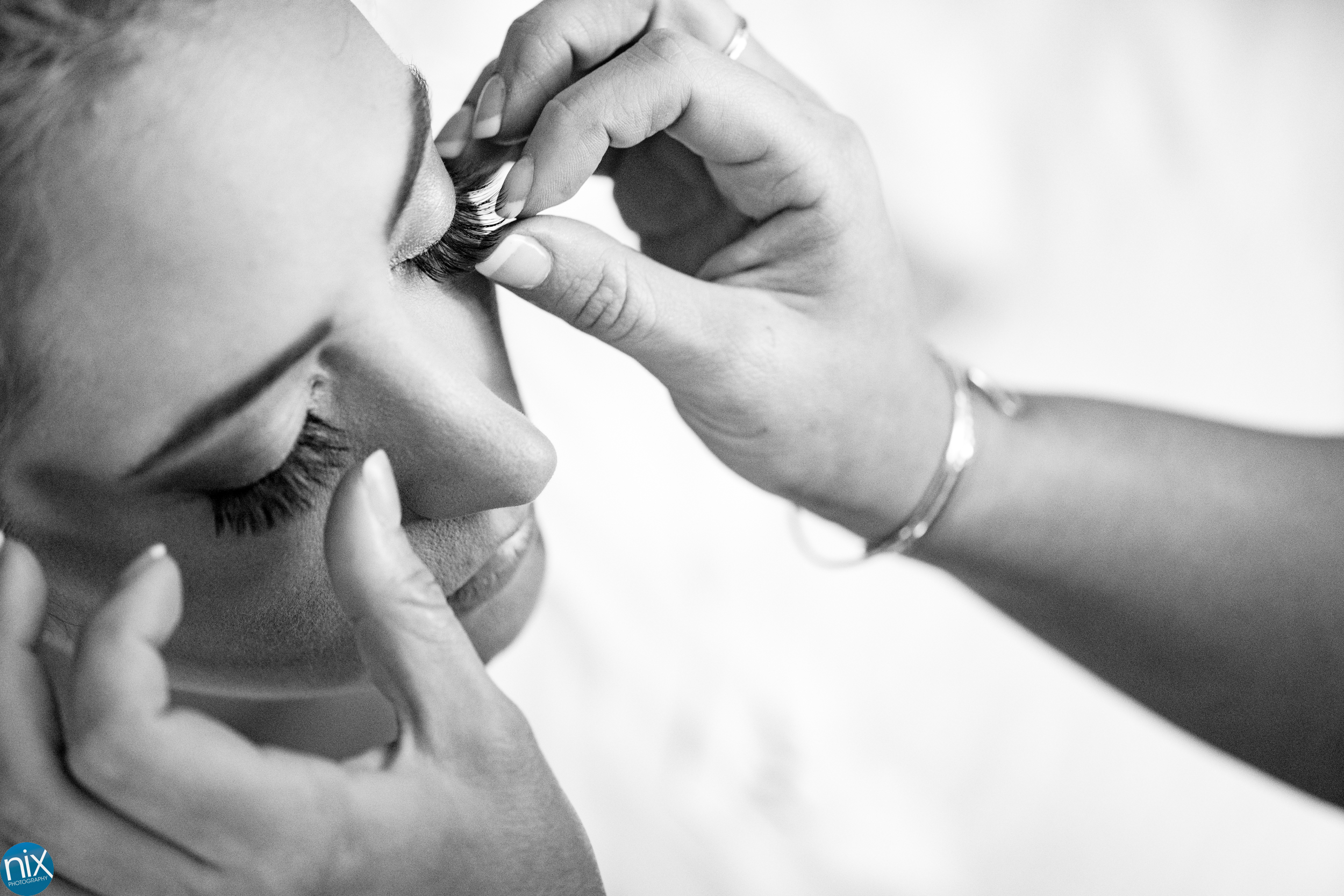 bride gets ready at embassy suites in charlotte.jpg