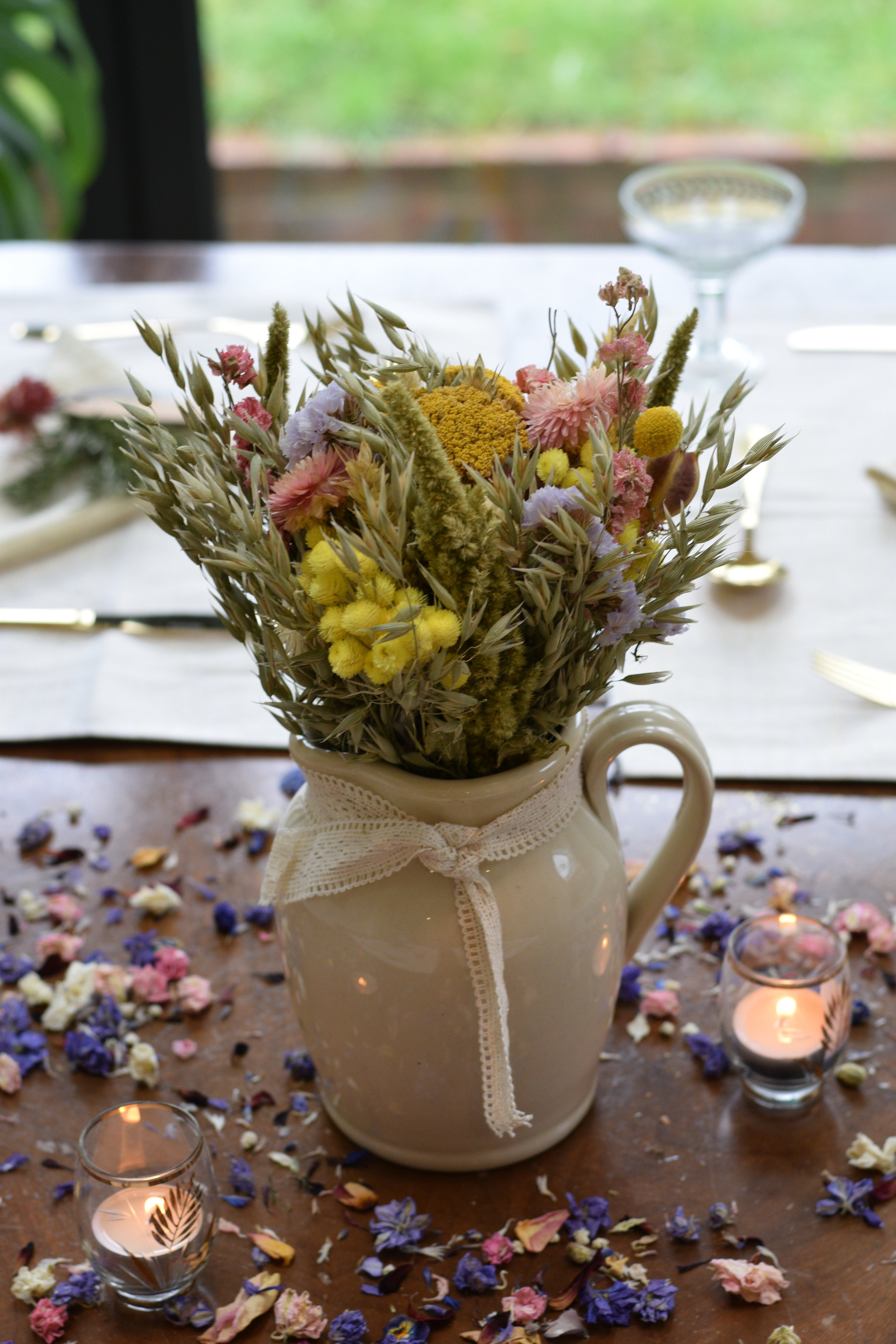 Table Arrangements - Tied and ready to pop into your own vases/jarsDecorating your wedding venue couldn't be easier!
