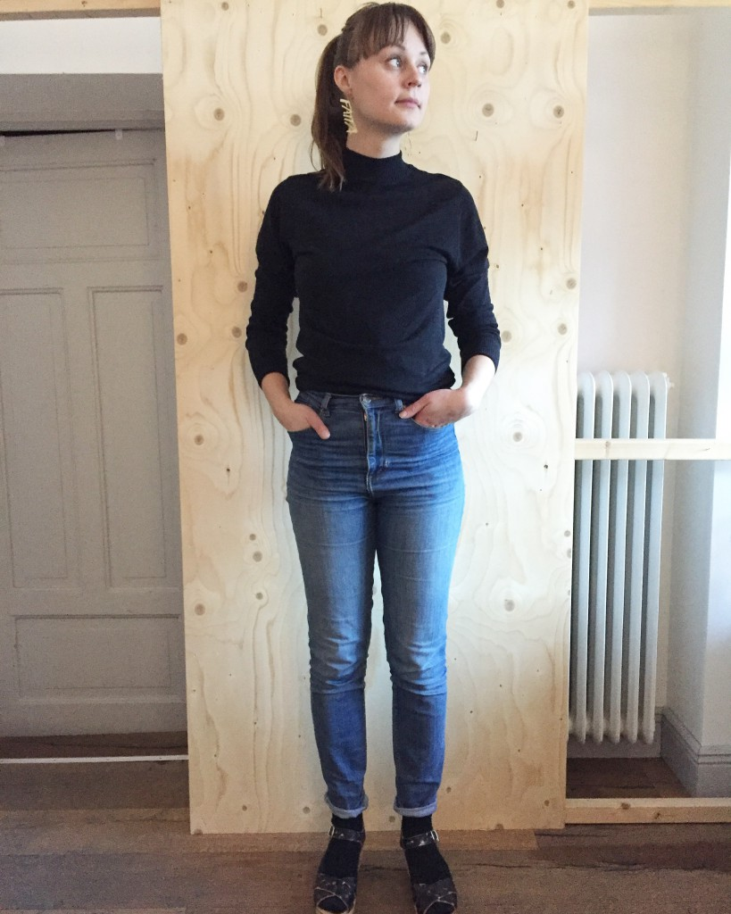 Dagens Slow Fashion-outfit - polo, jeans och träskor