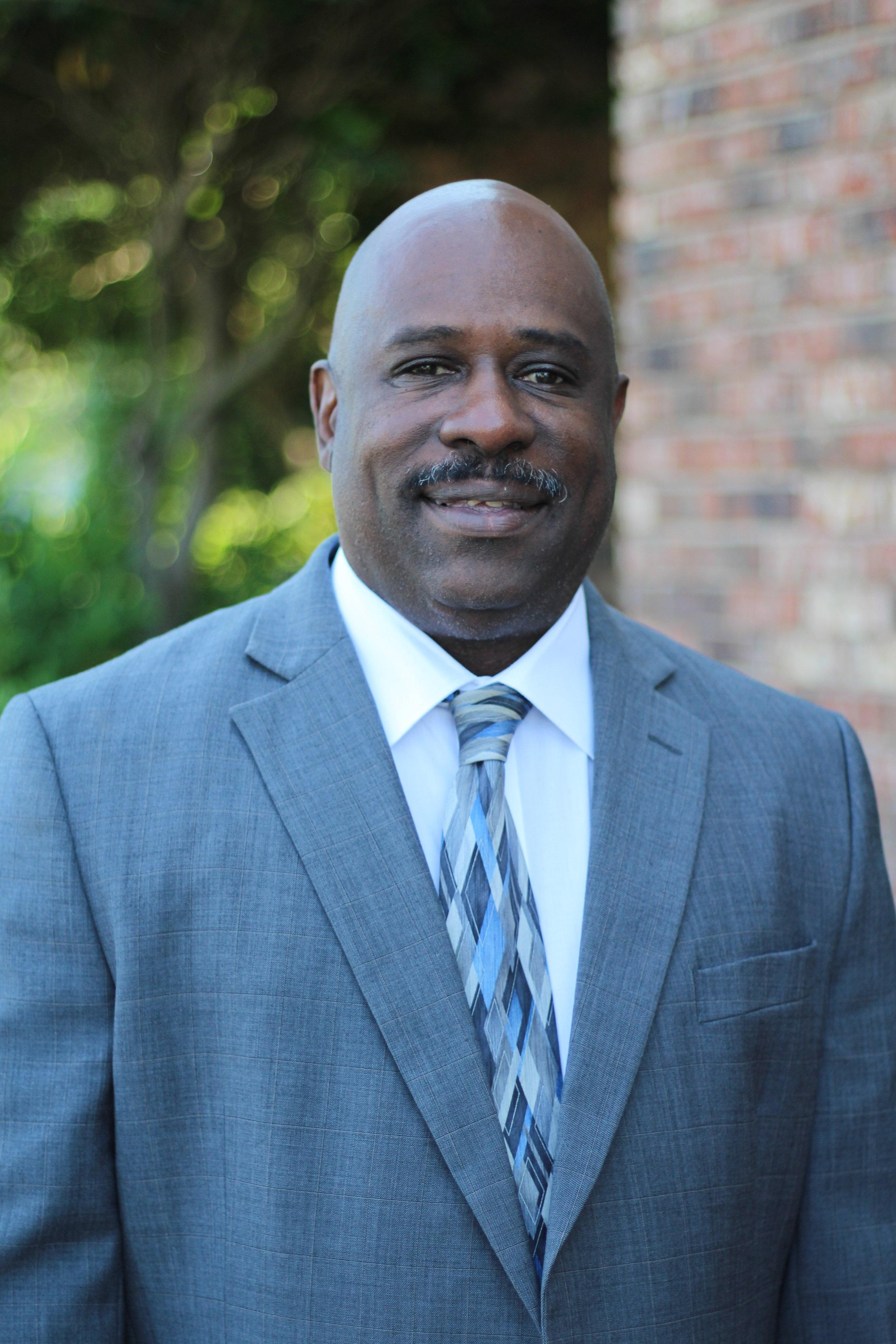 Dean Williams  Associate Pastor