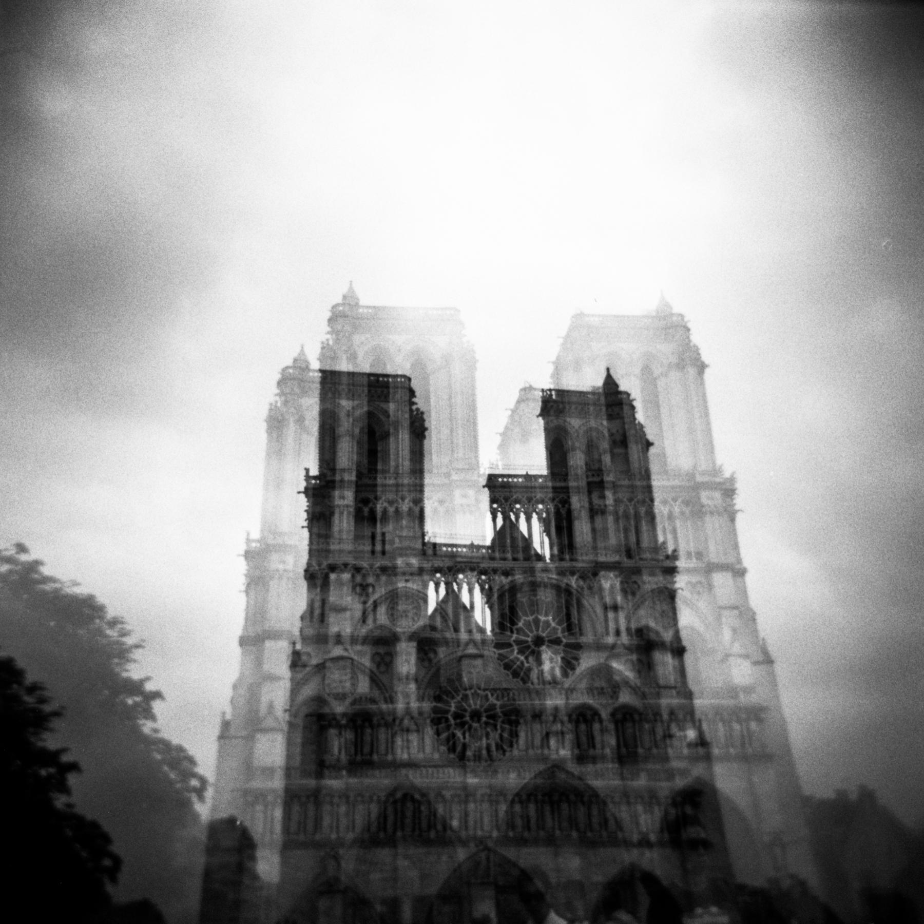 blackandwhiteparisphotography-10.jpg