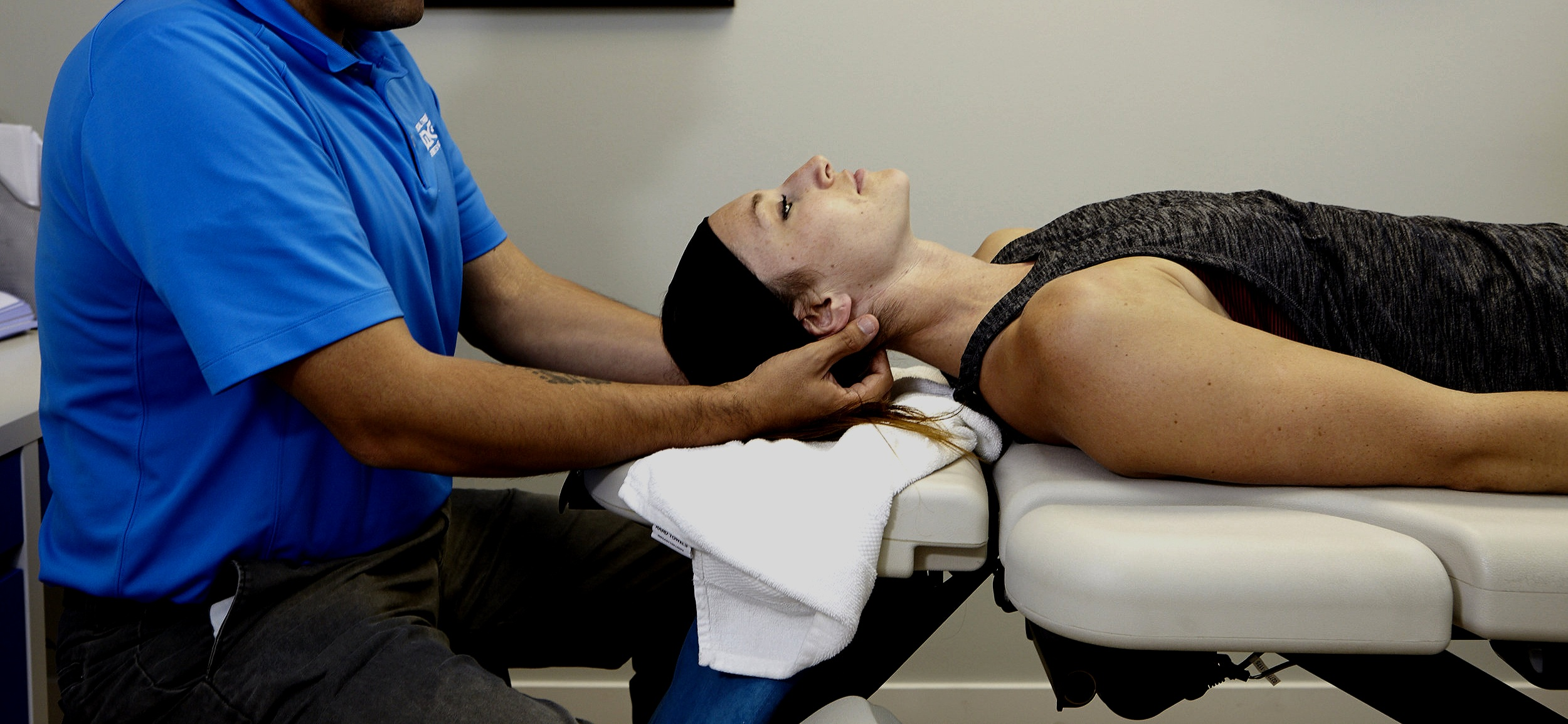 EDGE PHYSICAL THERAPY & SPORTS MEDICINE   PERSONAL ATTENTION.  MODERN TECHNOLOGY.  A CONNECTED EXPERIENCE