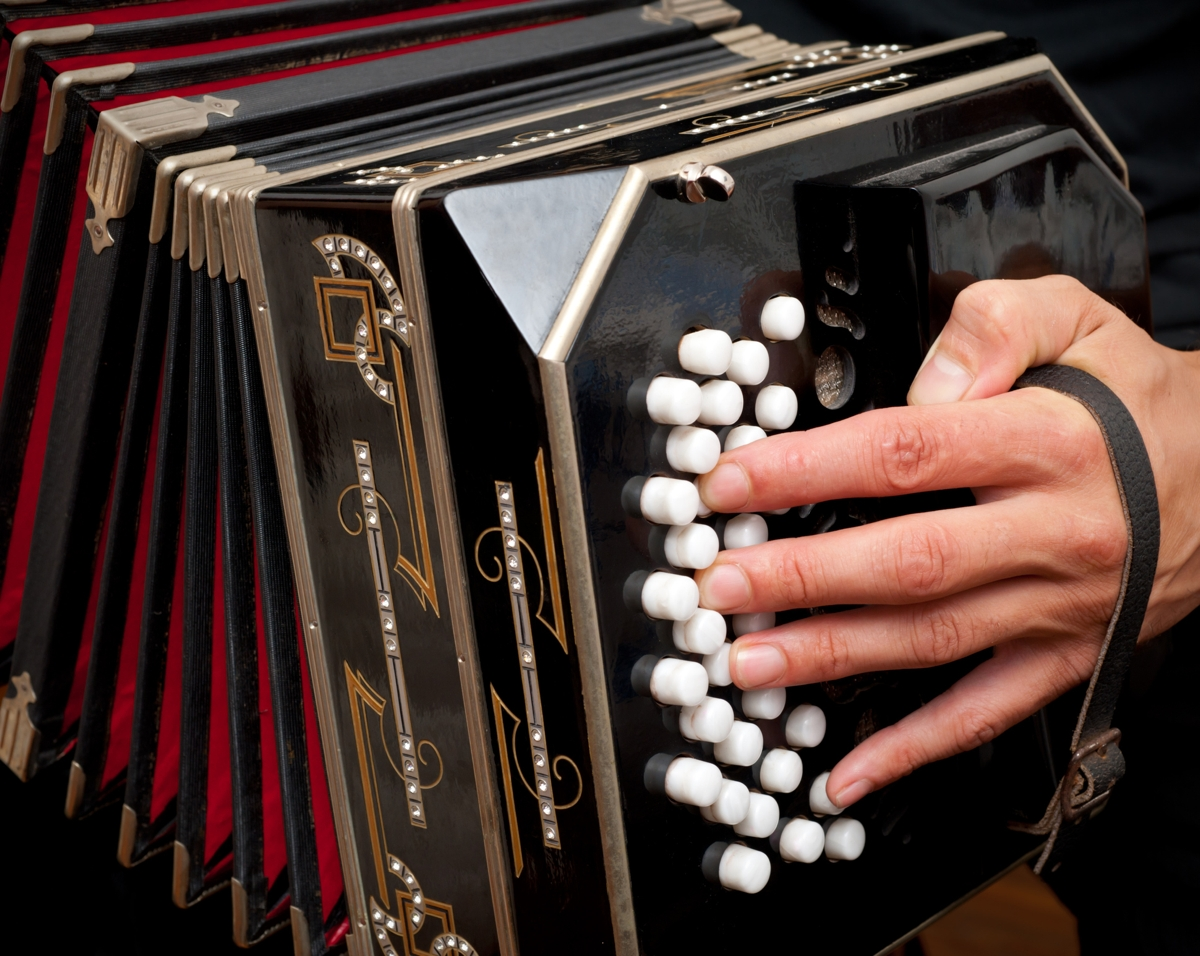 live tango music in little italy, san diego at puerto la boca