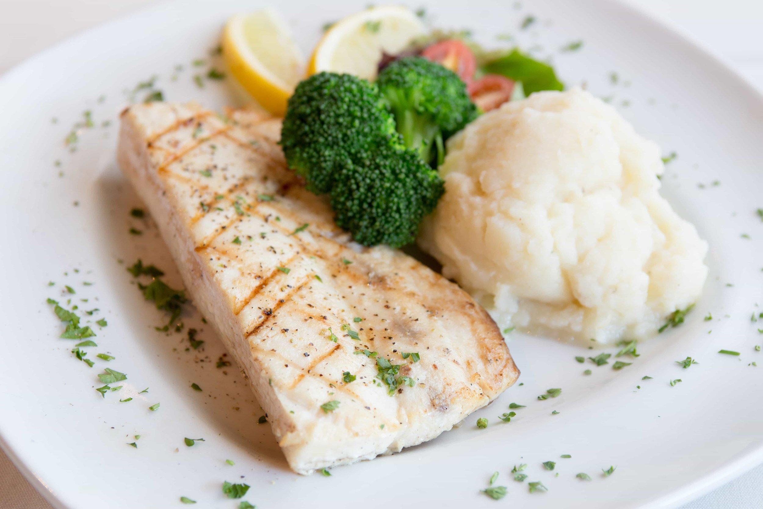 puerto-la-boca-fish-broccoli.jpg
