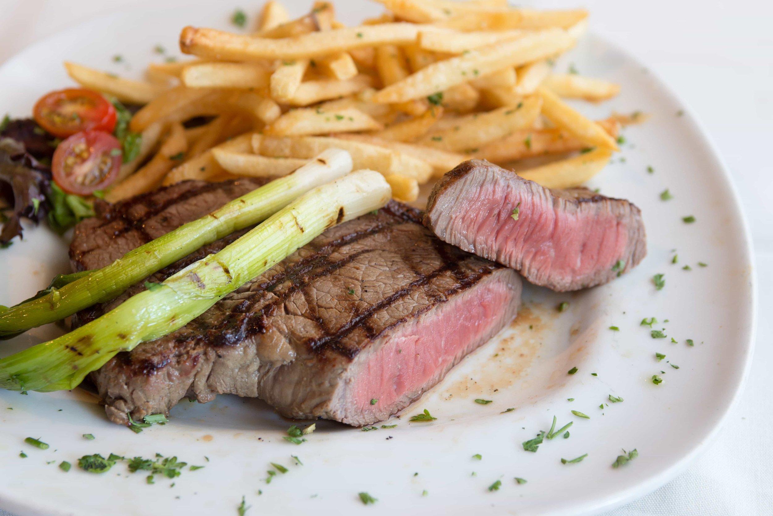 puerto-la-boca-steak-esparagus.jpg