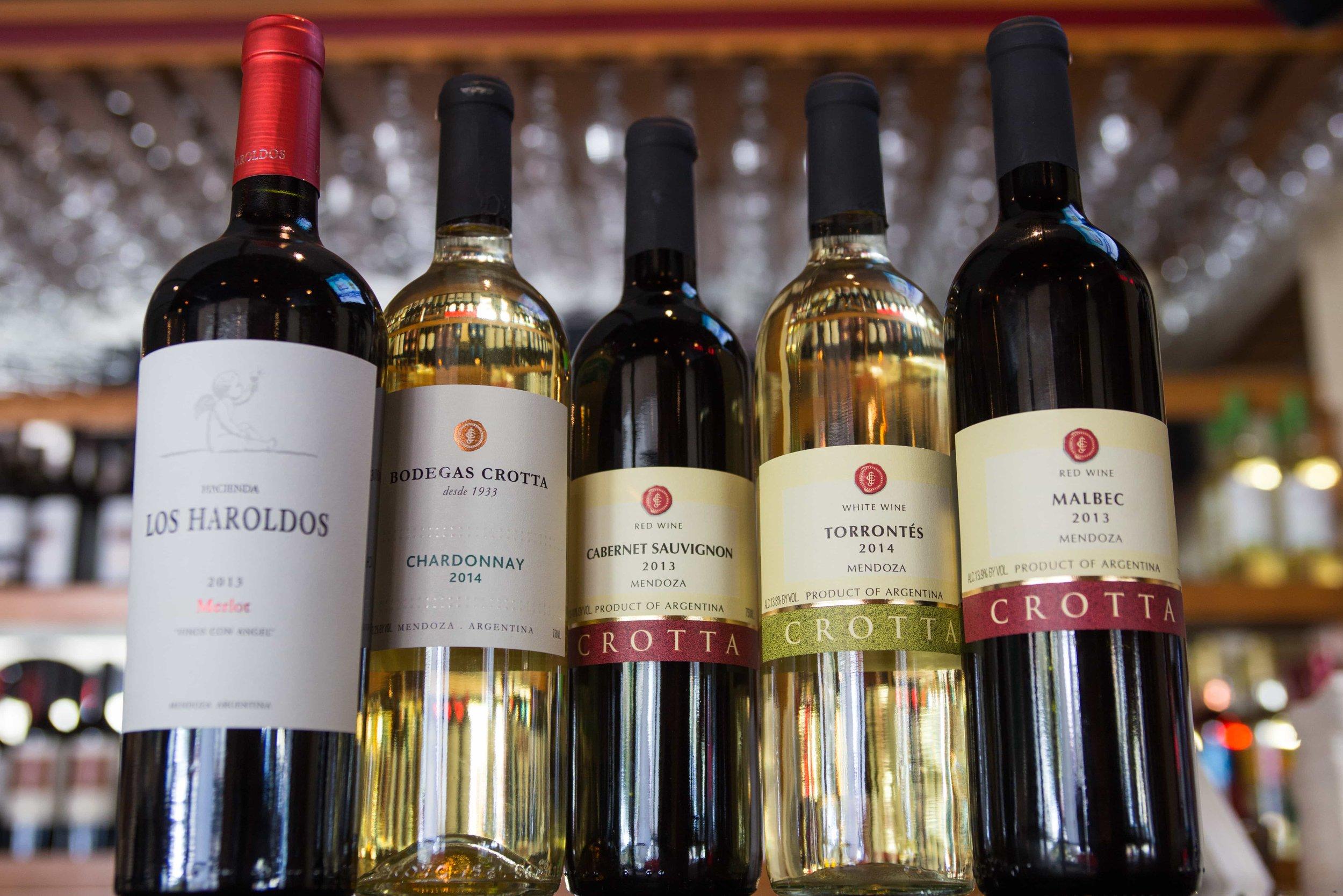 puerto-la-boca-red-and-white-wine.jpg
