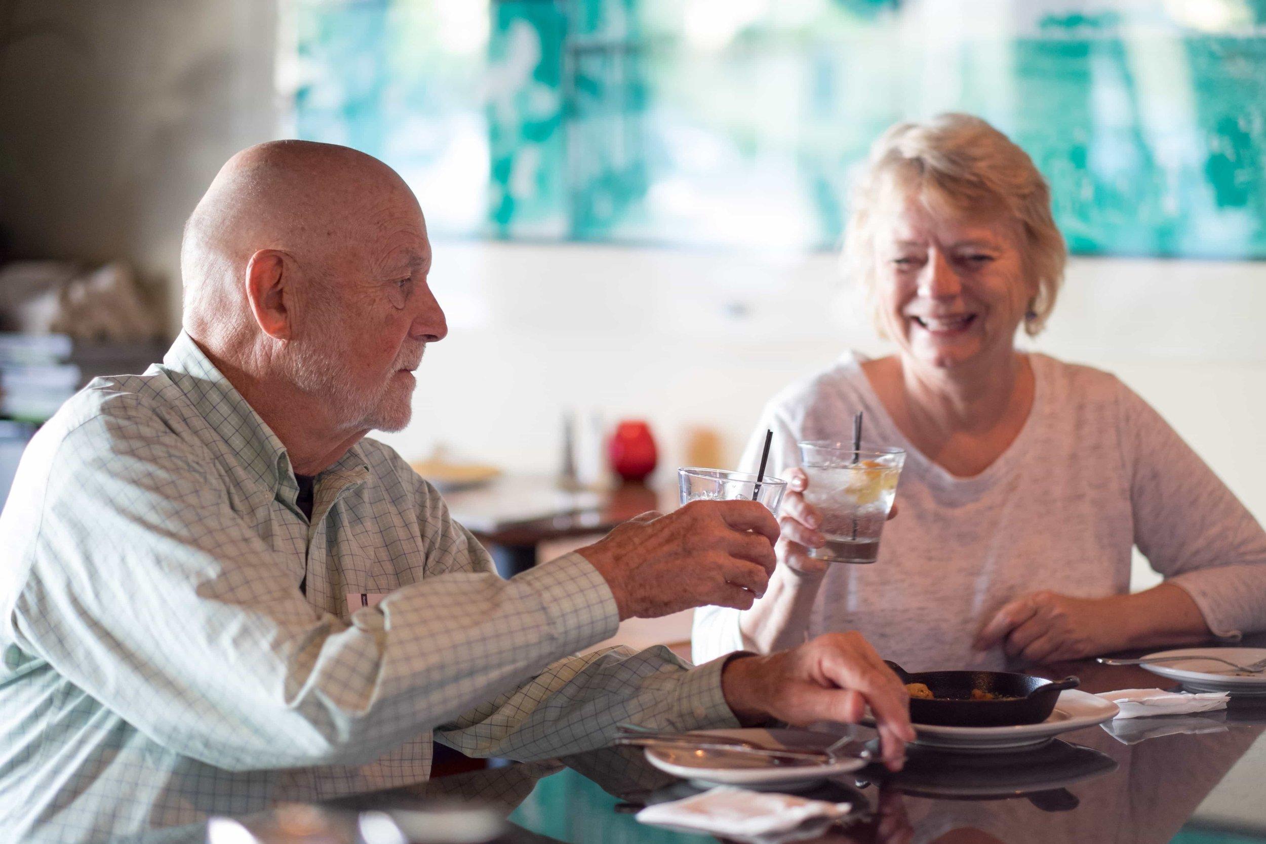 puerto-la-boca-guests-eating.jpg