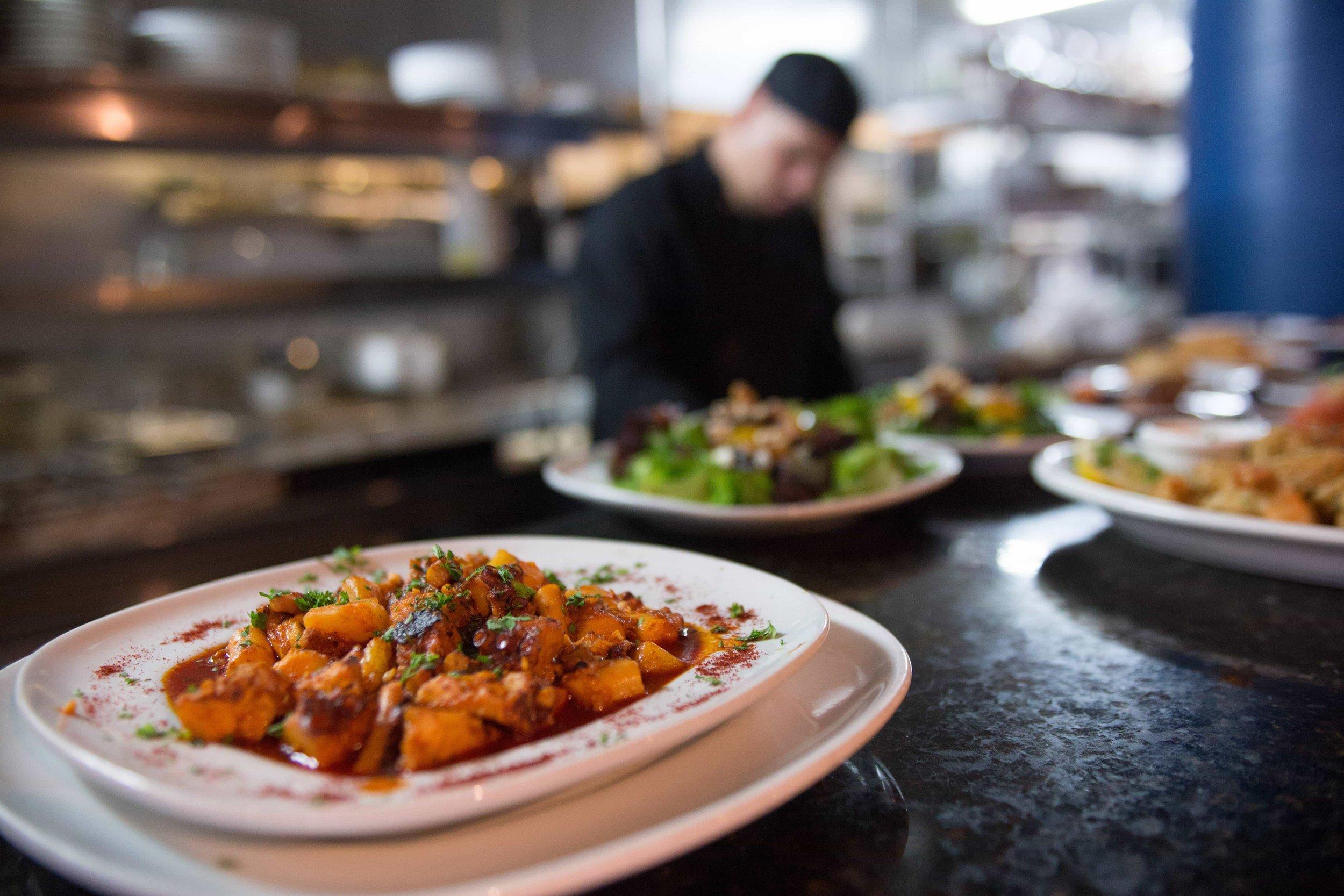 puerto-la-boca-chef-preparing-food.jpg