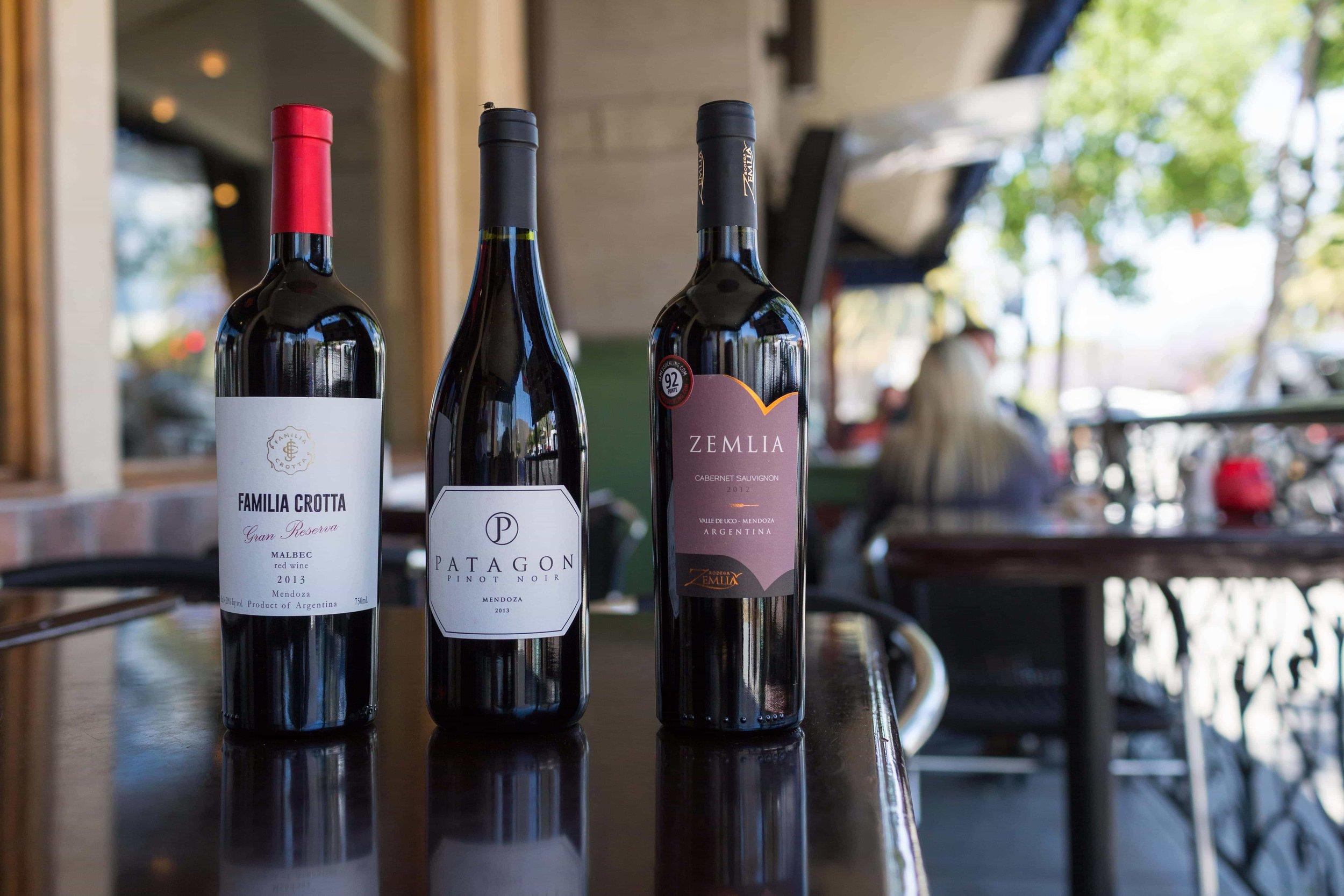 puerto-la-boca-little-italy-wine-outside.jpg