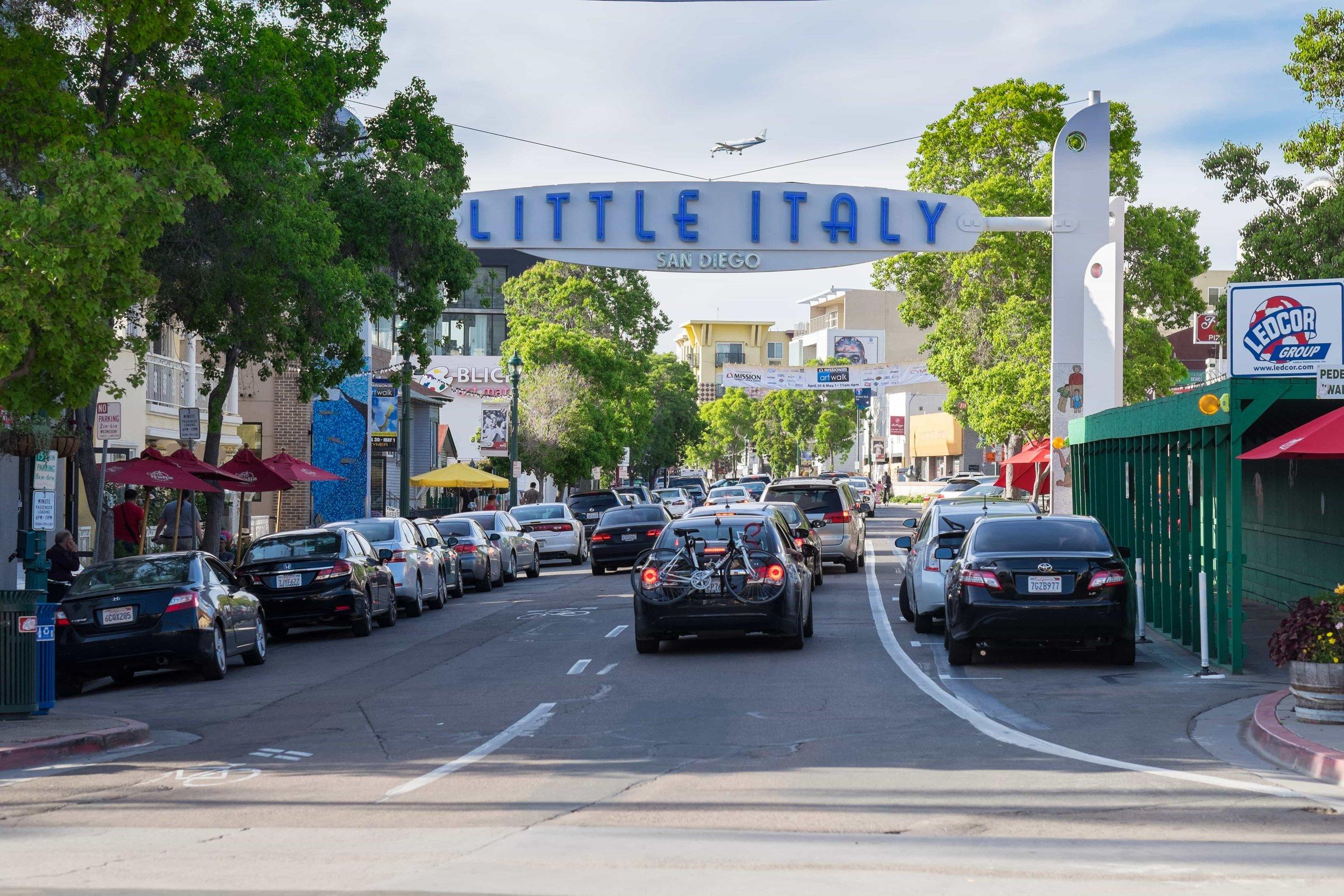 puerto-la-boca-welcome-to-little-italy-sign.jpg